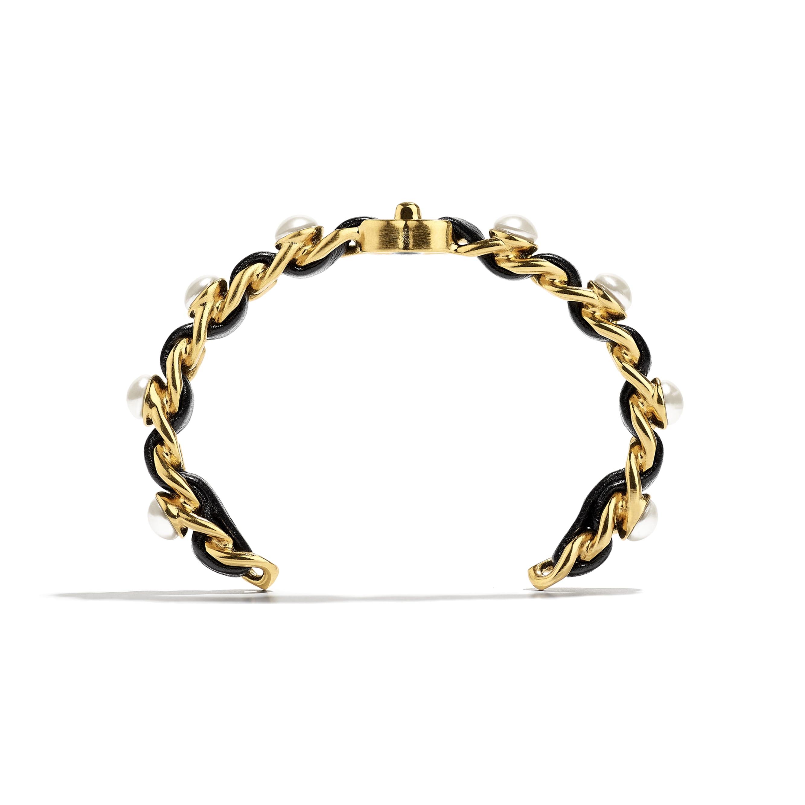 Bransoletka mankietowa - Kolor złoty, perłowobiały i czarny - Metal, szklane perły i skóra jagnięca - CHANEL - Widok alternatywny – zobacz w standardowym rozmiarze