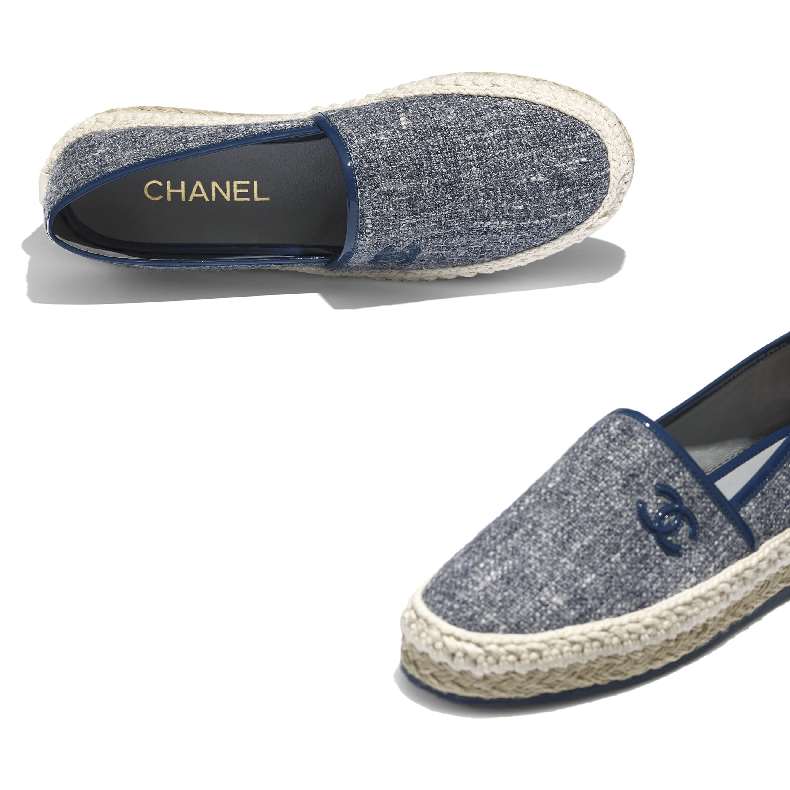 Espadrilles - Blue & Gray - Fabric & Patent Calfskin - CHANEL - Extra view - see standard sized version