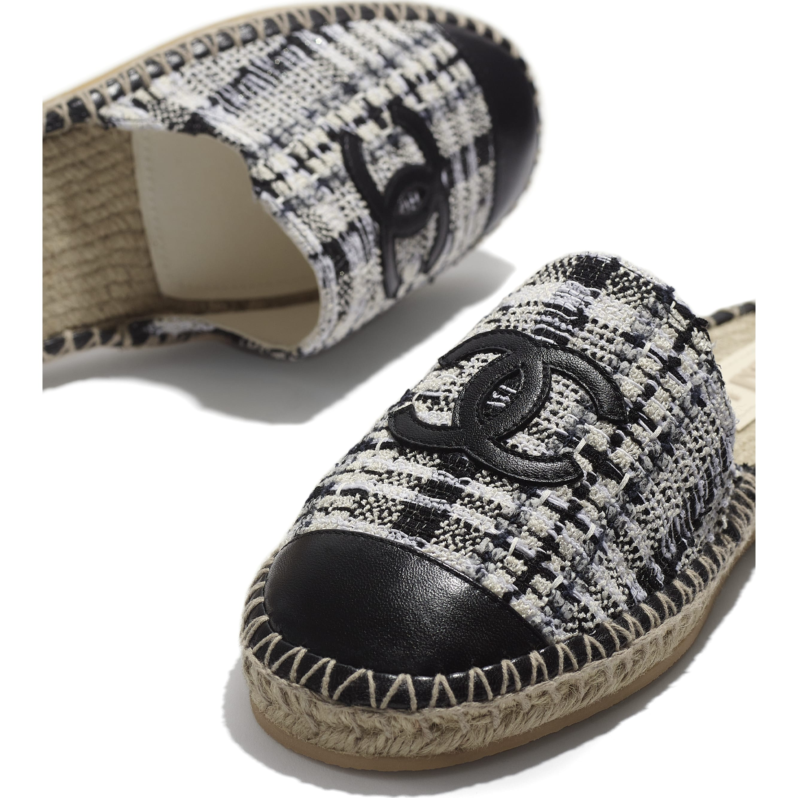 Espadrilles - Ivory, Grey & Black - Tweed & Lambskin - CHANEL - Extra view - see standard sized version