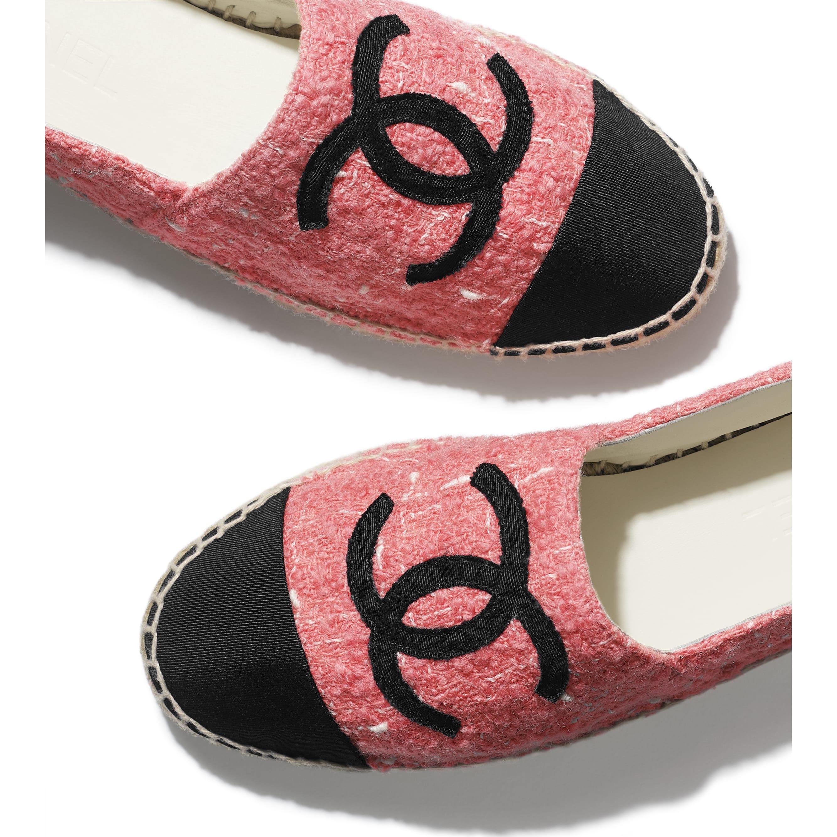 Espadrilles - Pink & Black - Tweed & Grosgrain - CHANEL - Extra view - see standard sized version