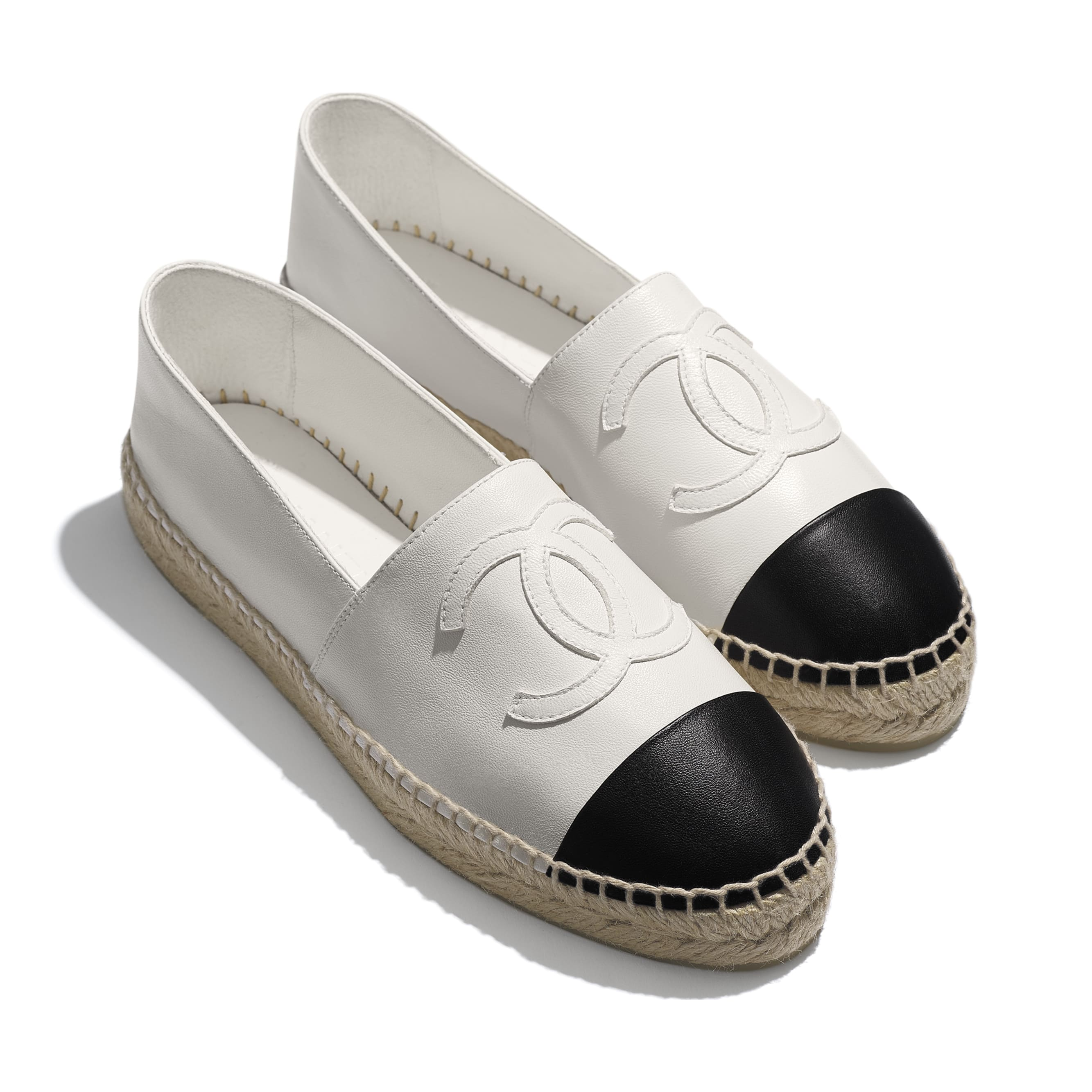 Espadrilles - White & Black - Lambskin - CHANEL - Extra view - see standard sized version