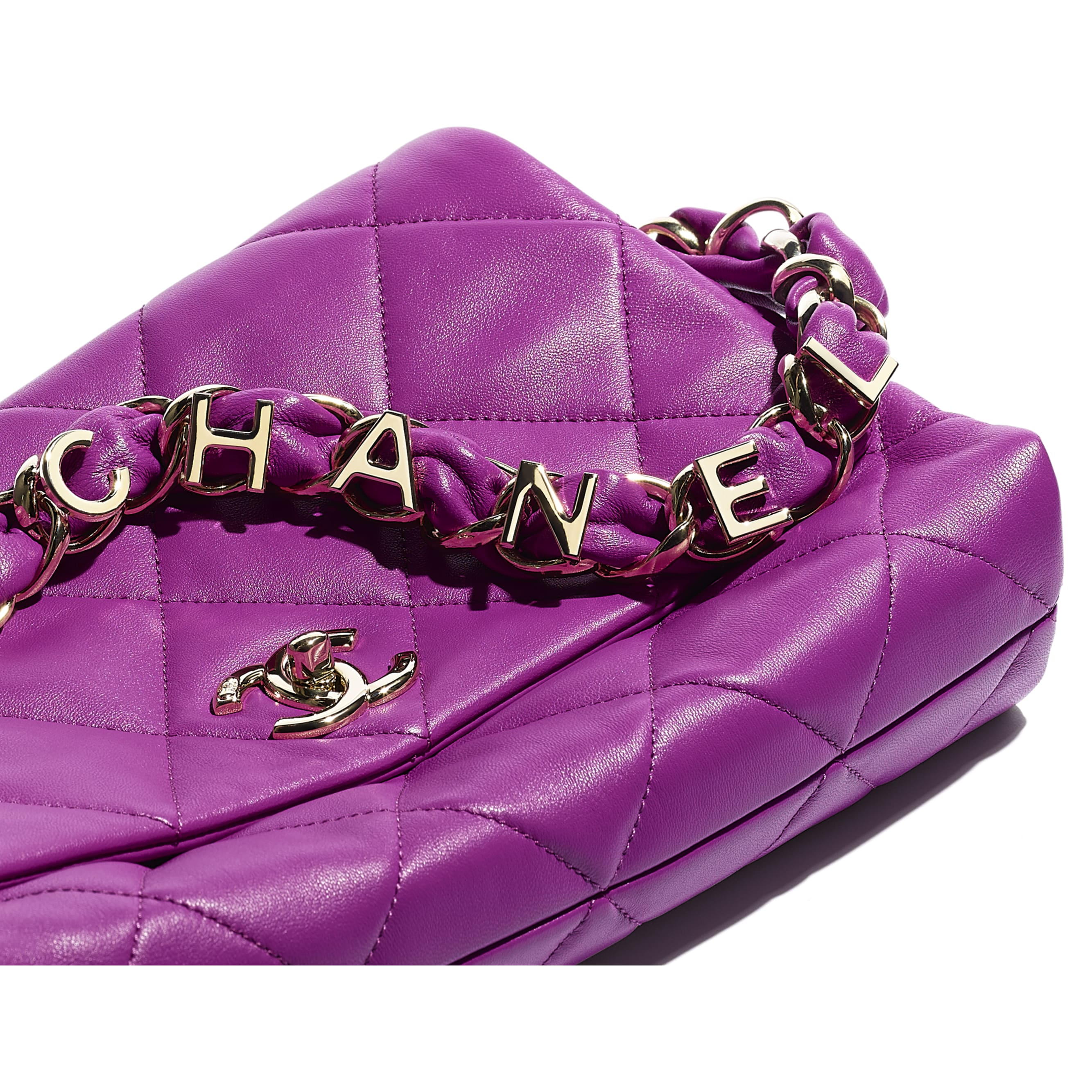 Flap Bag - Purple - Lambskin & Gold-Tone Metal - CHANEL - Extra view - see standard sized version