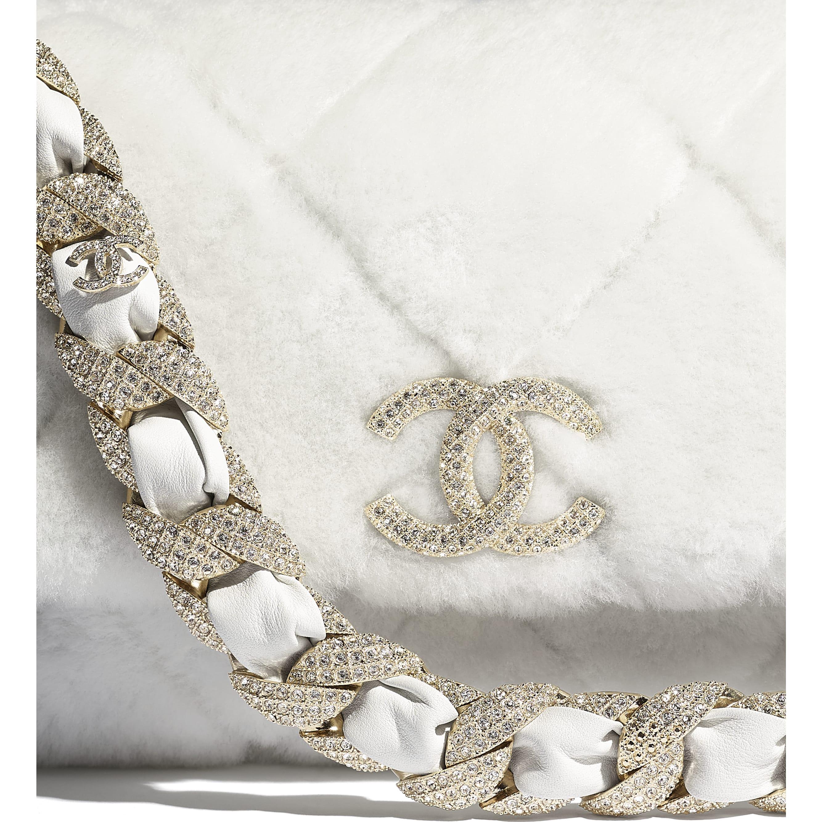 垂蓋手袋 - 白色 - 雙面剪羊毛、水晶及金色金屬 - CHANEL - 額外視圖 - 查看標準尺寸版本
