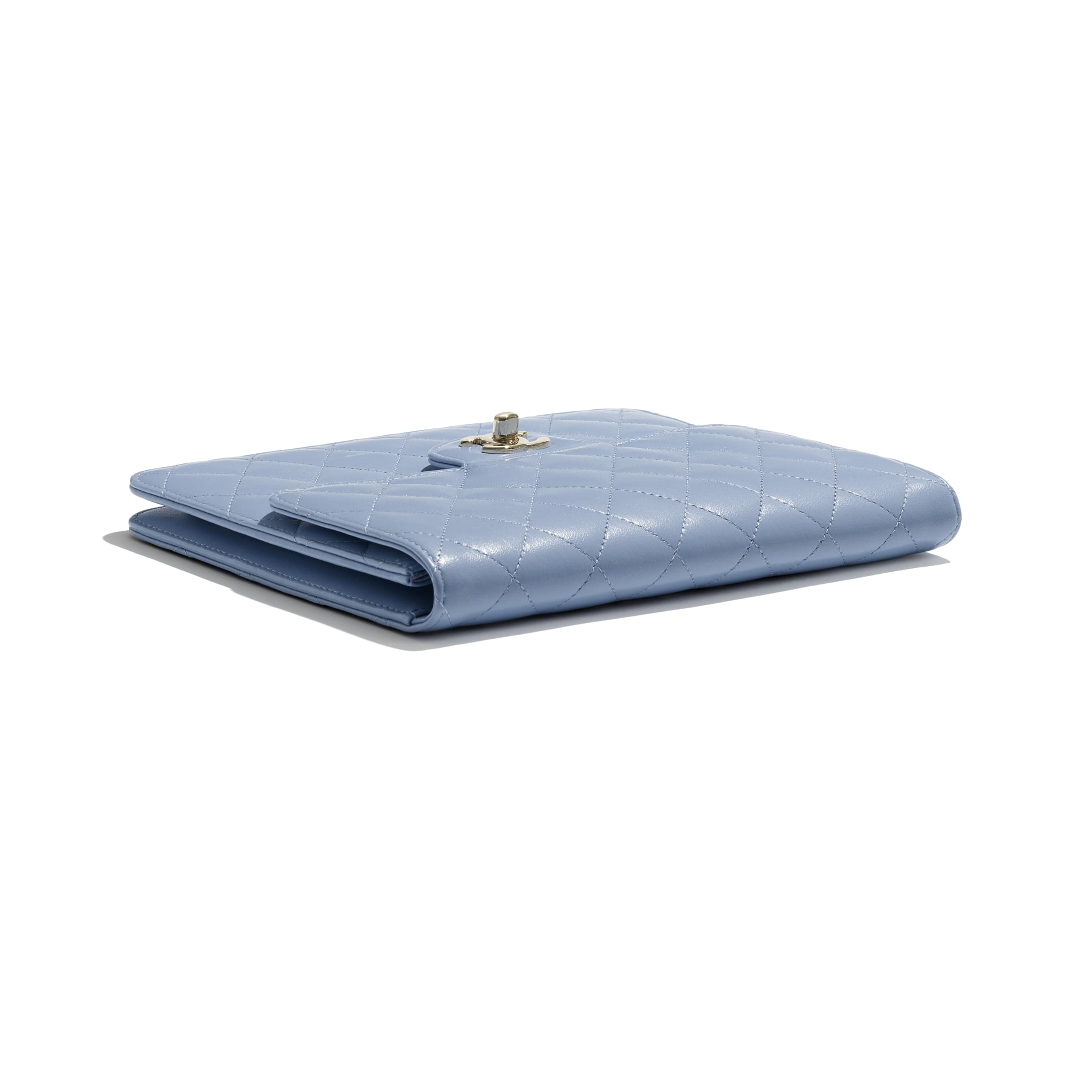 Flap Case - Sky Blue - Lambskin - CHANEL - Extra view - see standard sized version