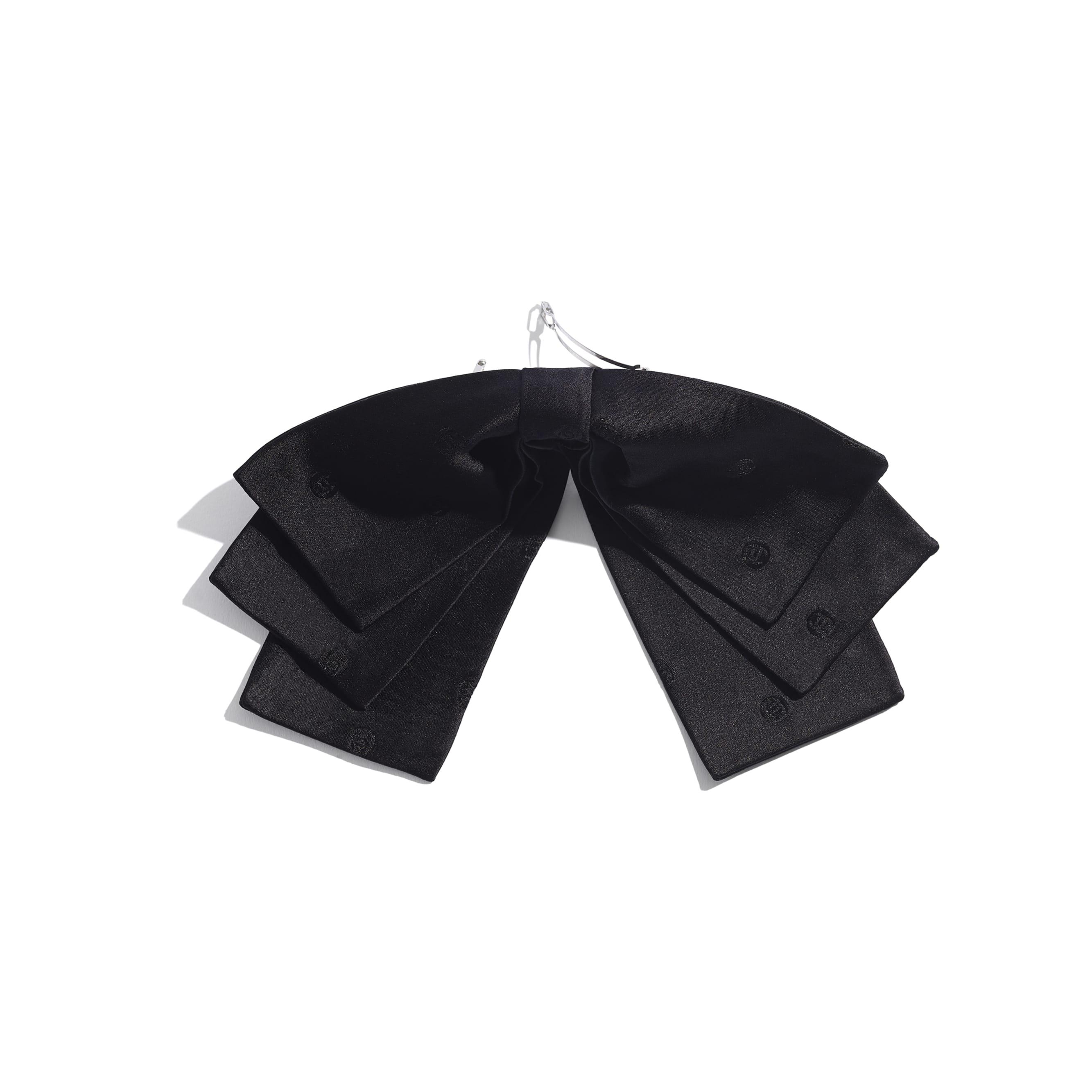 Klamra do włosów - Kolor czarny - Jedwab - CHANEL - Widok alternatywny – zobacz w standardowym rozmiarze