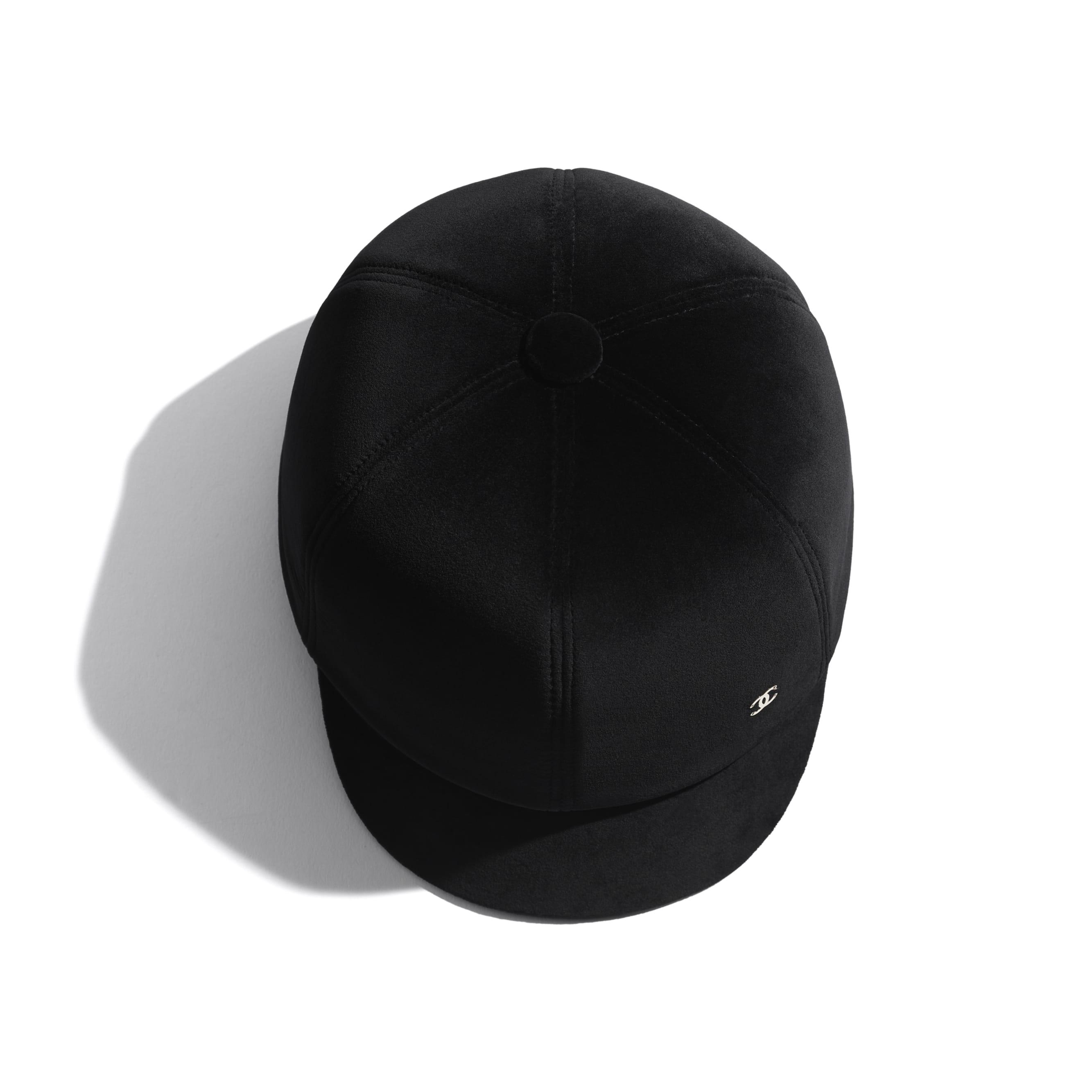 Hat - Black - Velvet - CHANEL - Alternative view - see standard sized version