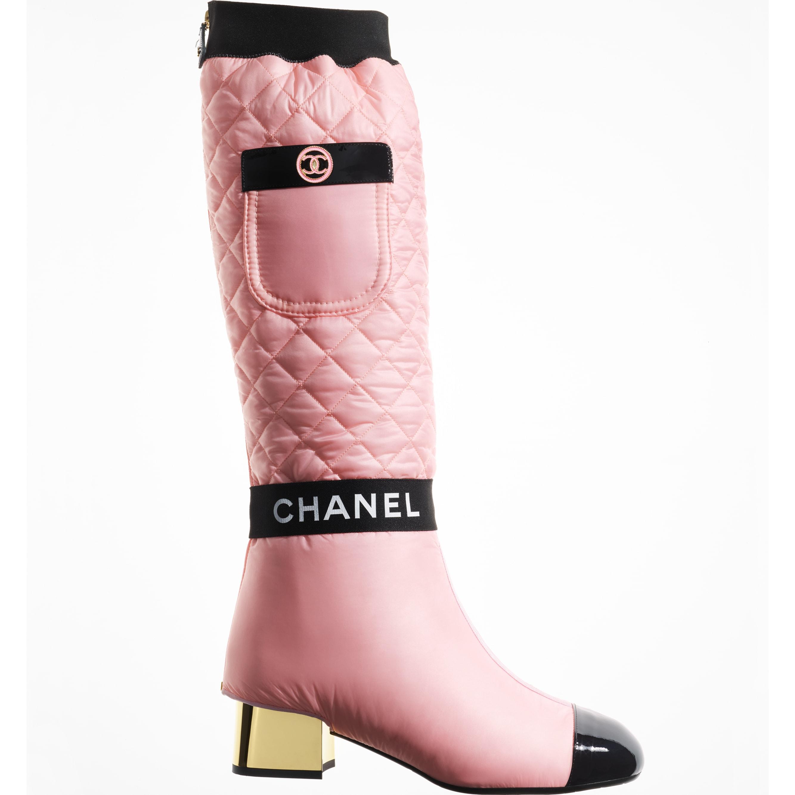 Stivali - Rosa chiaro, rosa & nero - Tessuto, pelle di agnello & pelle verniciata - CHANEL - vista artistica 1