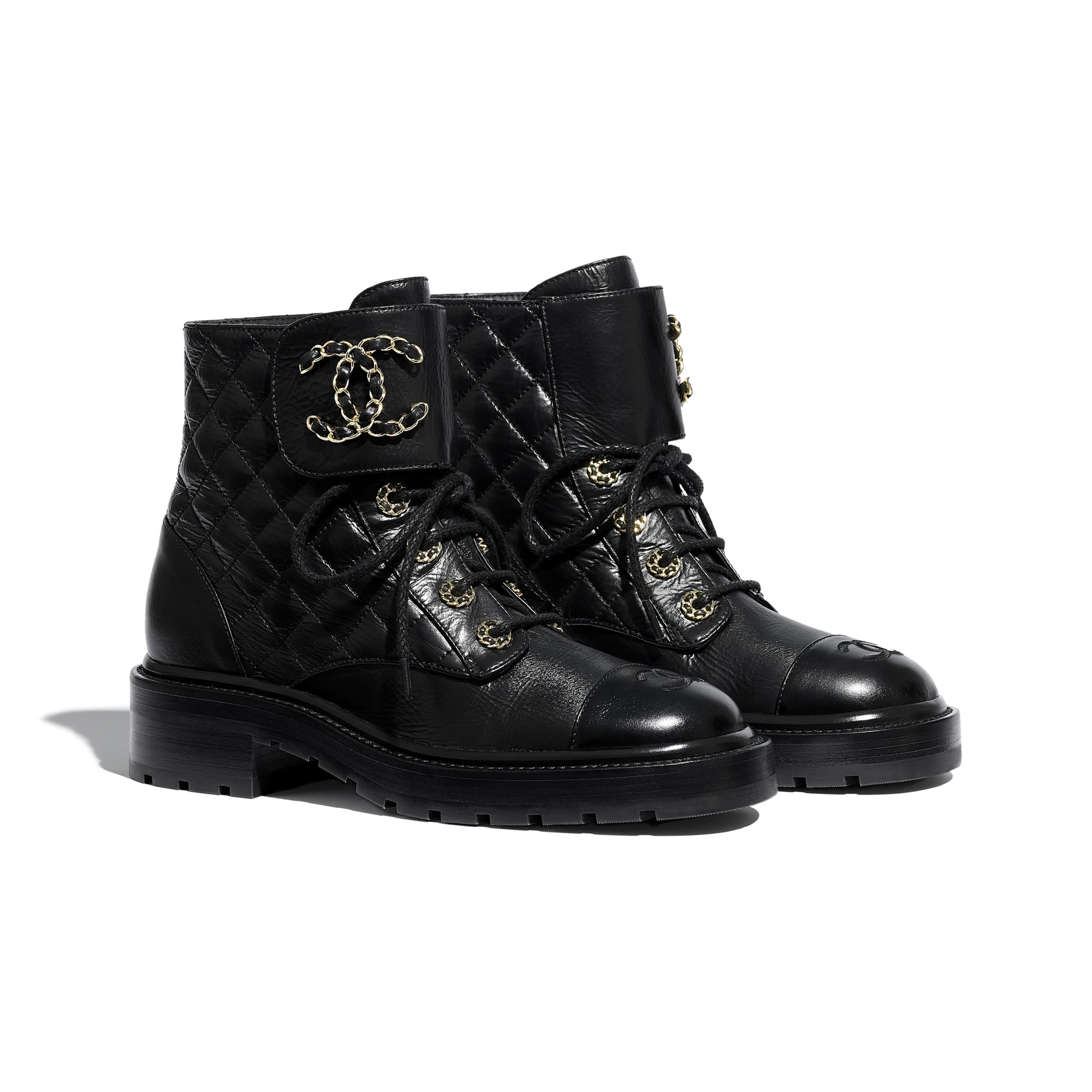 รองเท้าหุ้มส้นผูกเชือก - สีดำ - หนังแพะเคลือบเงาและหนังลูกวัว - CHANEL - มุมมองทางอื่น - ดูเวอร์ชันขนาดมาตรฐาน