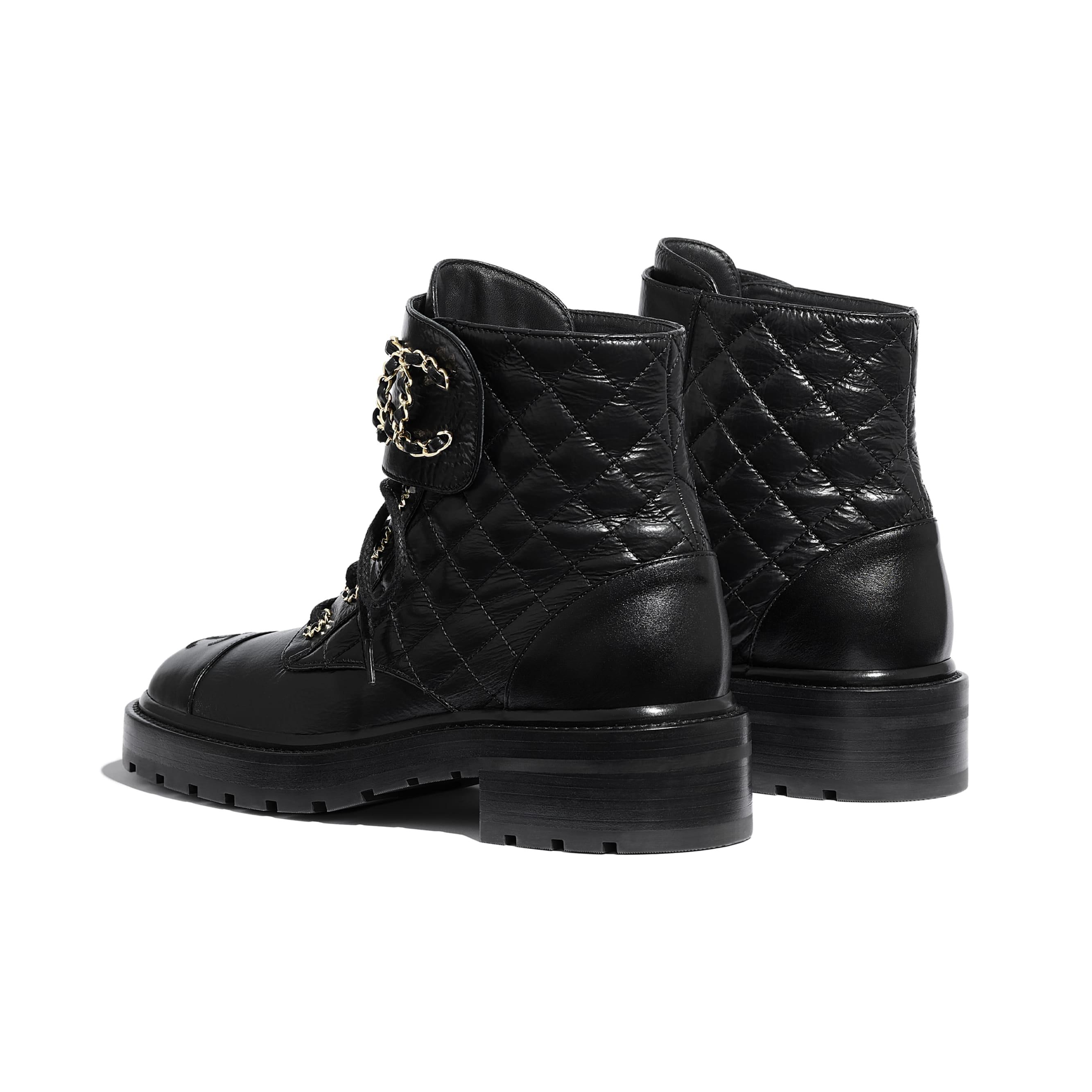 Ботинки на шнуровке - Черный - Блестящая кожа козы и кожа теленка - CHANEL - Другое изображение - посмотреть изображение стандартного размера