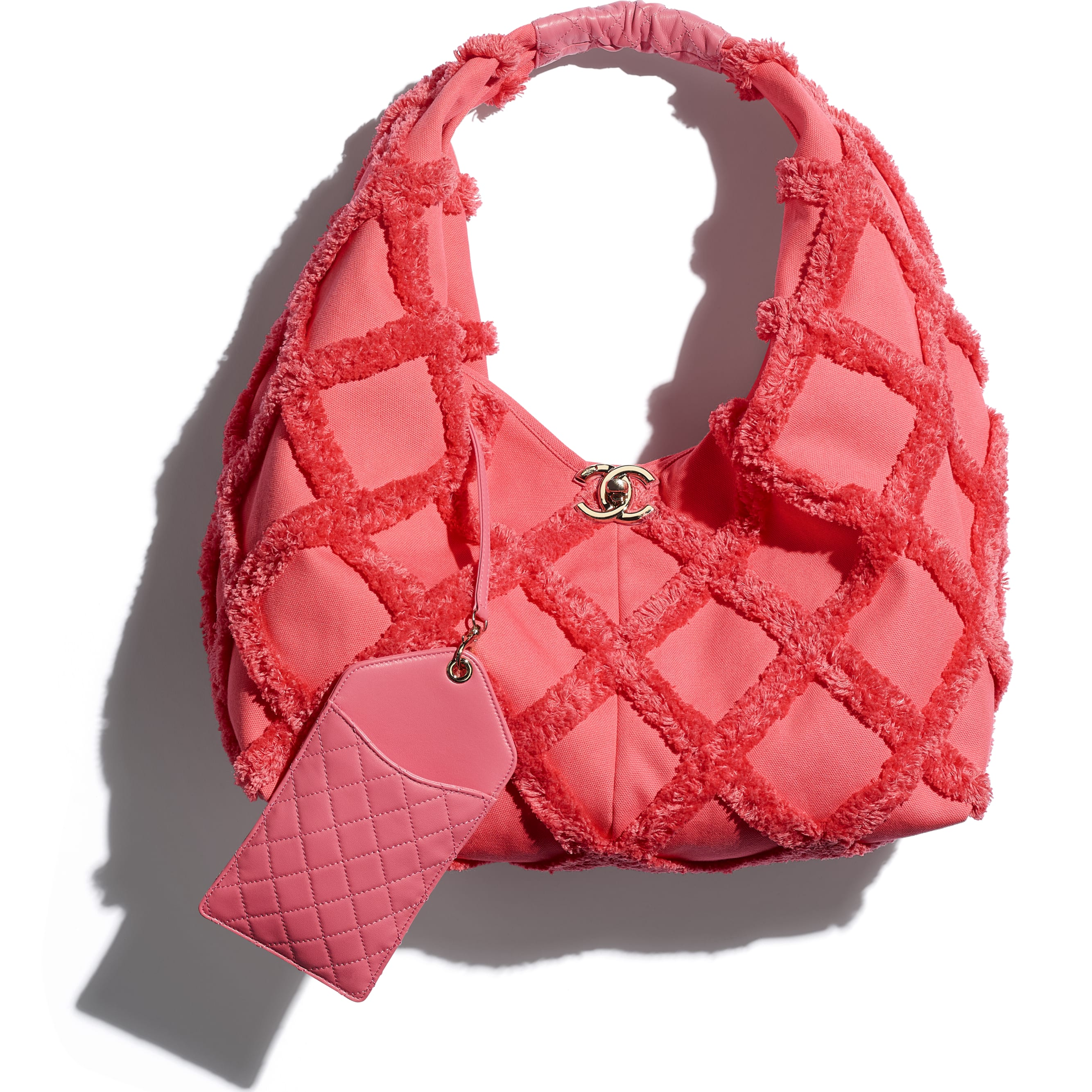 Large Hobo Bag - Coral - Cotton Canvas, Calfskin & Gold-Tone Metal - CHANEL - Extra view - see standard sized version