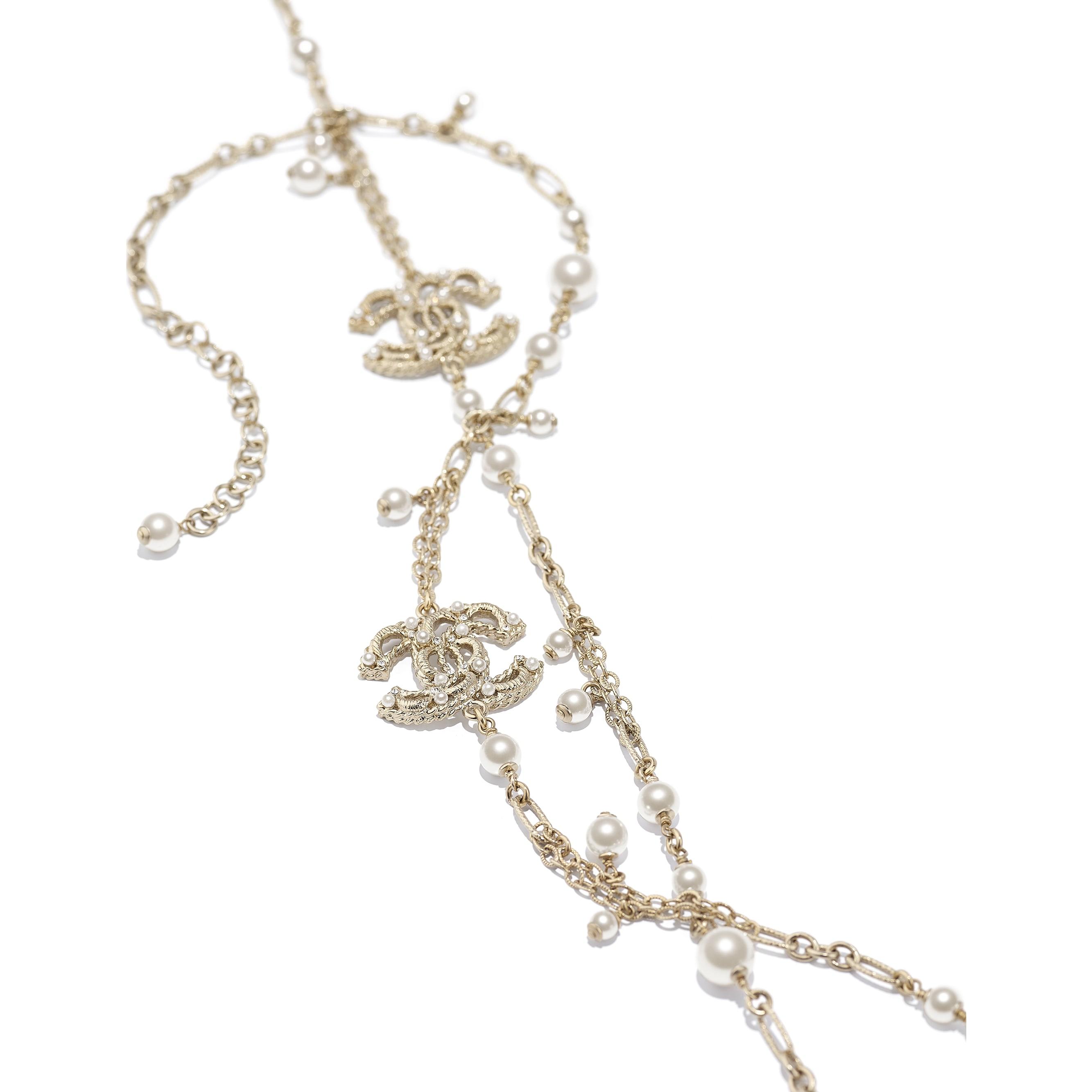 長項鏈 - 金、珍珠白與水晶 - 金屬、琉璃珠與水鑽 - CHANEL - 替代視圖 - 查看標準尺寸版本