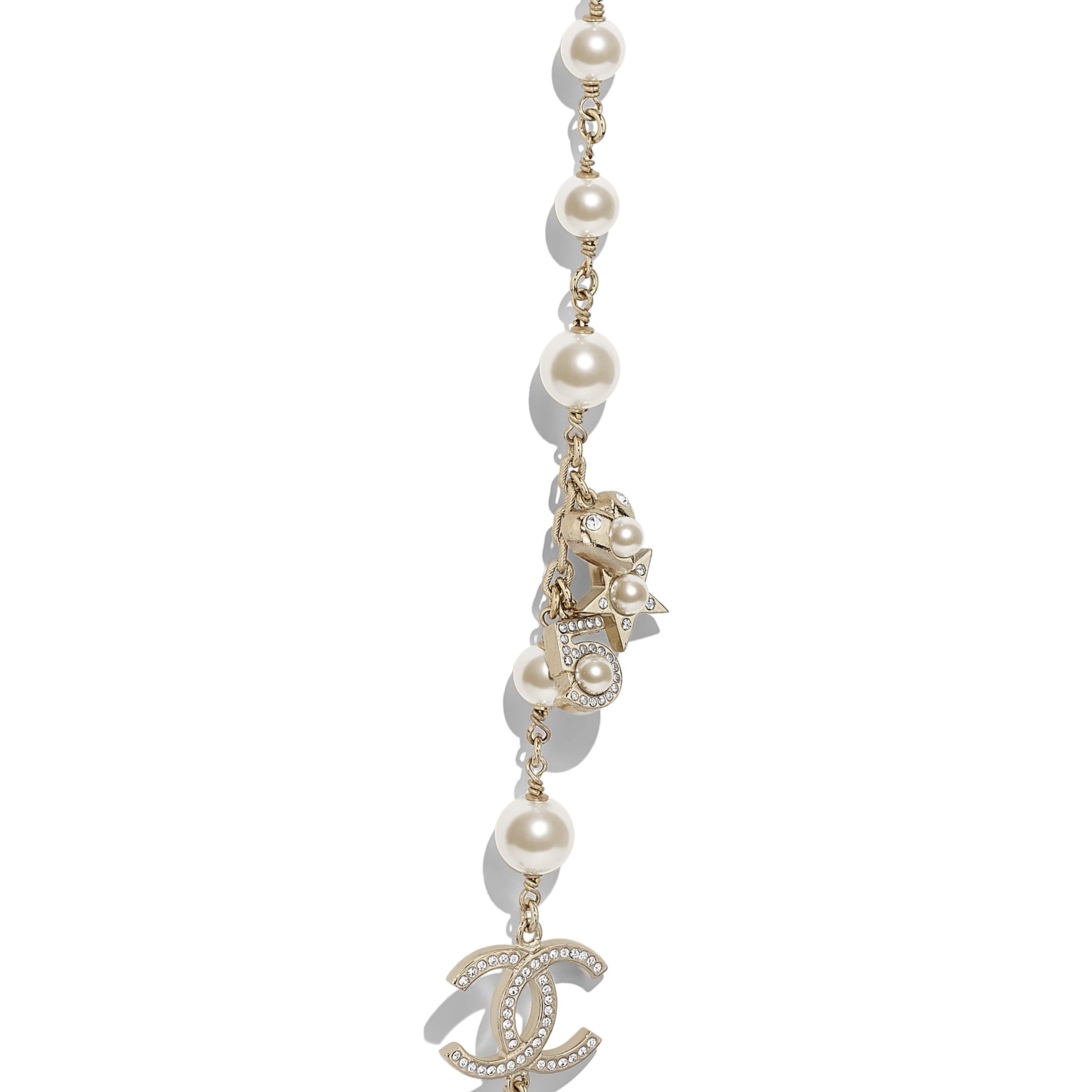 長項鏈 - 金、珍珠白與水晶 - 金屬、琉璃珠與水鑽 - 其他視圖 - 查看標準尺寸版本