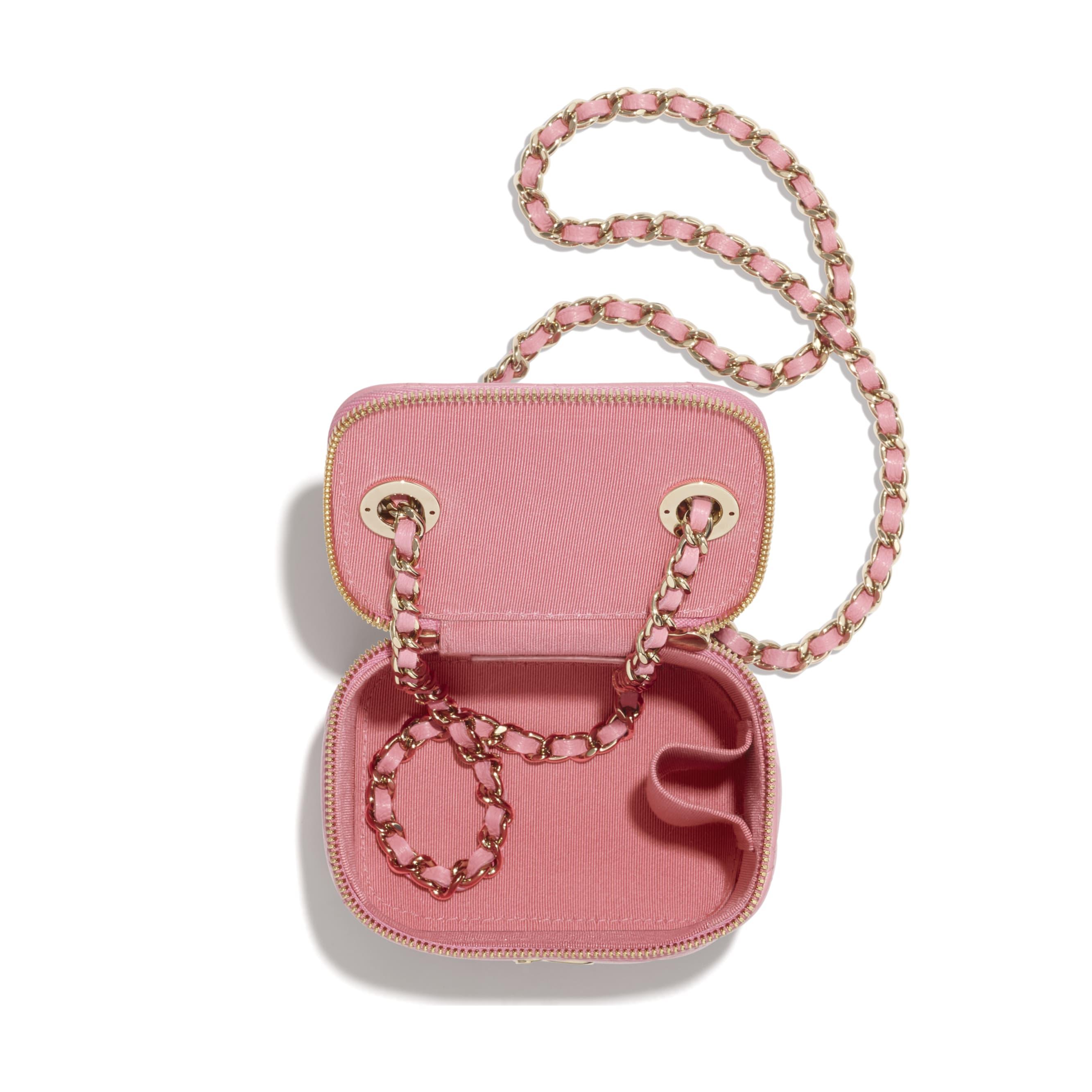 Mini necessaire com corrente - Pale Pink - Lambskin & Gold-Tone Metal - CHANEL - Outra vista - ver a versão em tamanho standard