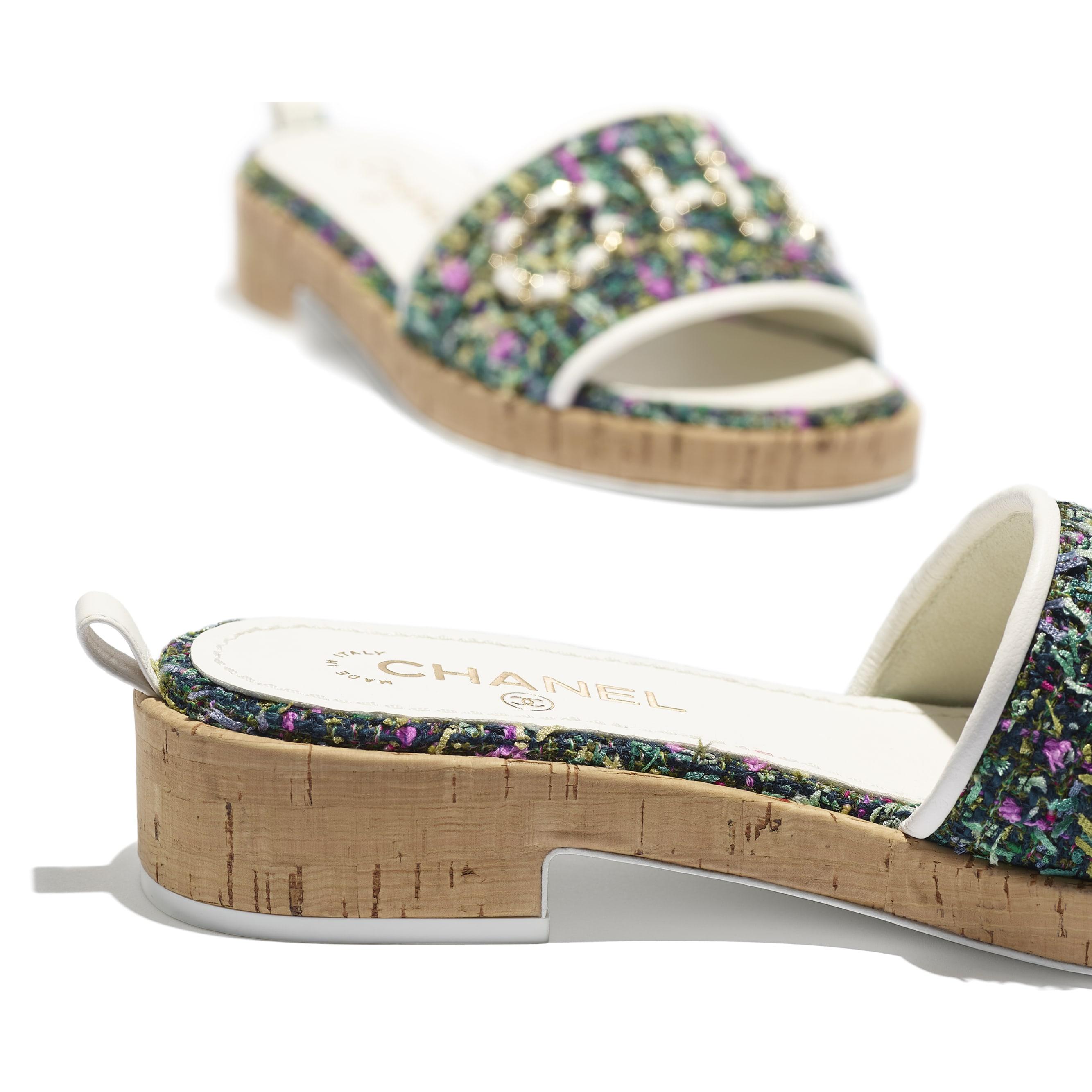 รองเท้าสวมเปิดส้น - สีเขียว สีชมพู และสีเหลือง - ผ้าทวีต - CHANEL - มุมมองพิเศษ - ดูเวอร์ชันขนาดมาตรฐาน