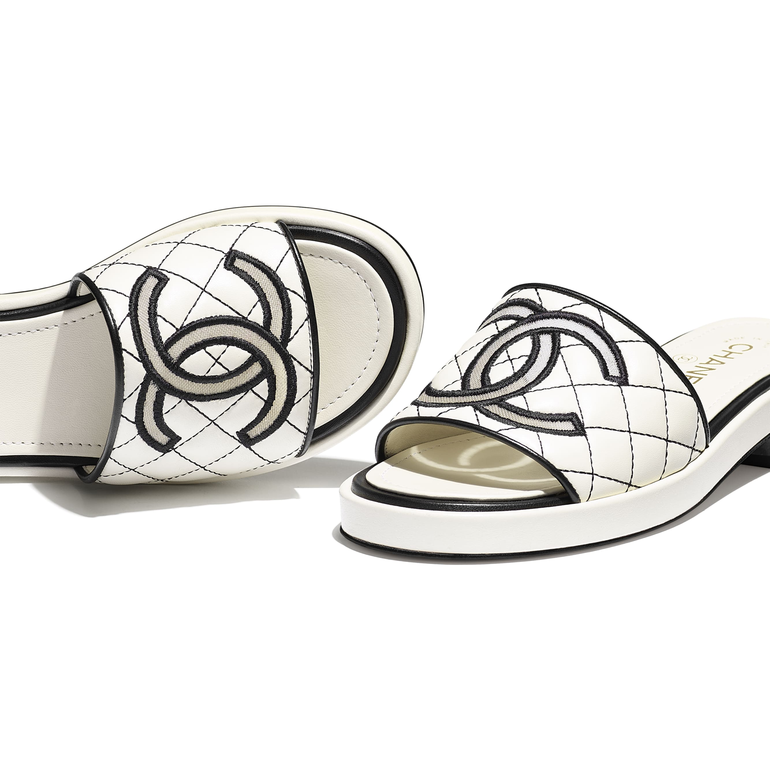 Mules - Ivory - Lambskin - CHANEL - Extra view - see standard sized version