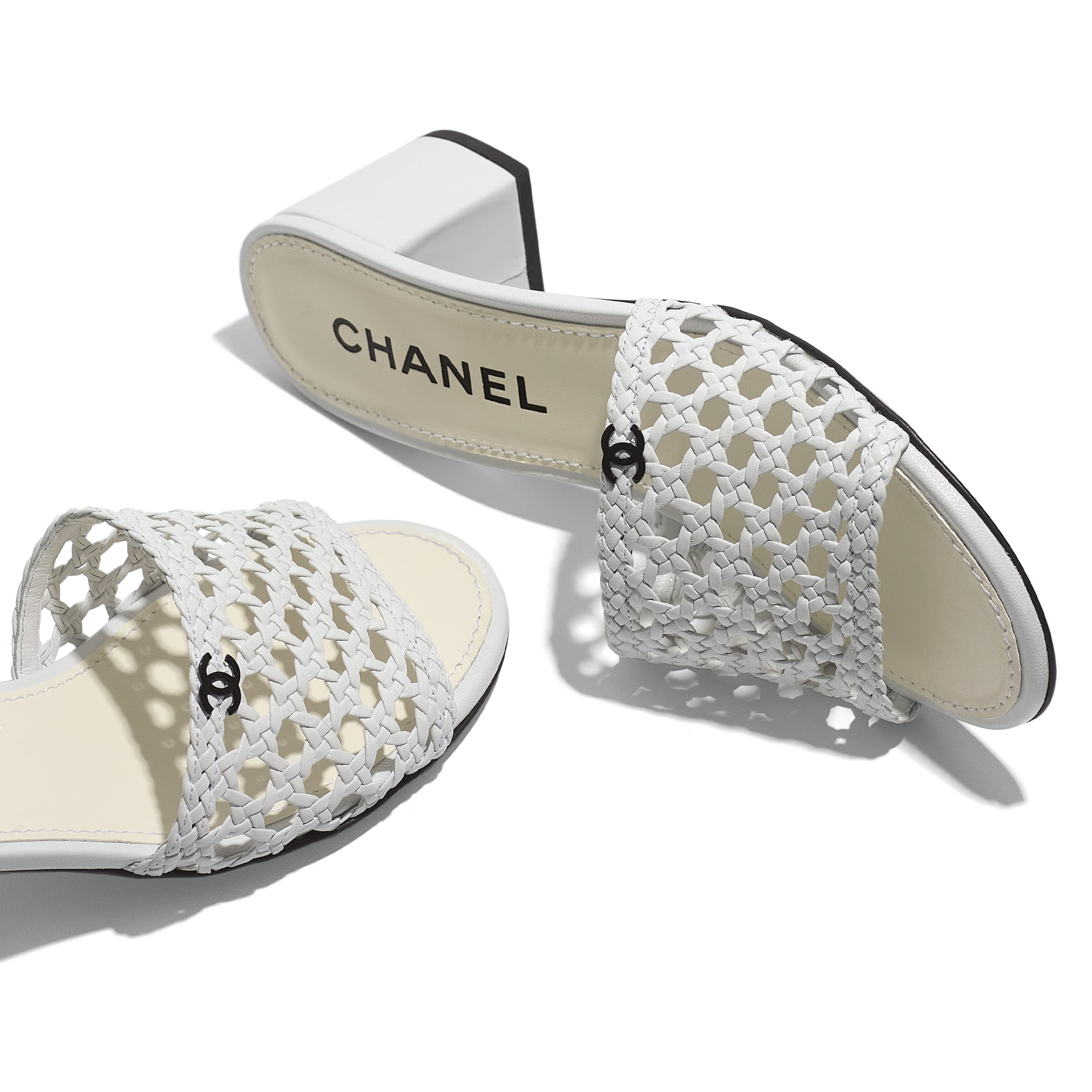 Mules - White - Shiny Braided Goatskin - CHANEL - Extra view - see standard sized version