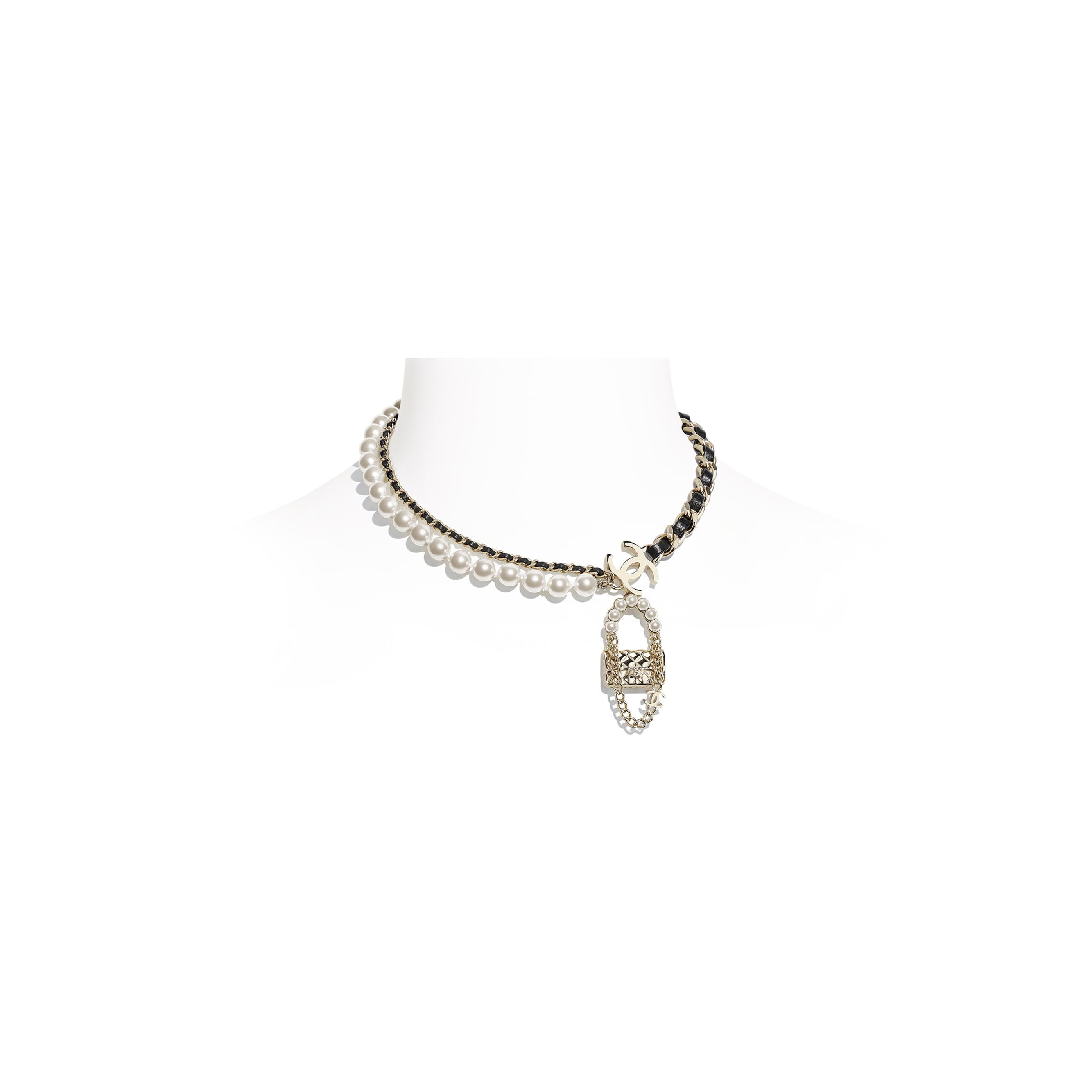Collana - Oro, nero & bianco perlato - Metallo, pelle di agnello & perle in pasta di vetro - CHANEL - Immagine predefinita - vedere versione standard