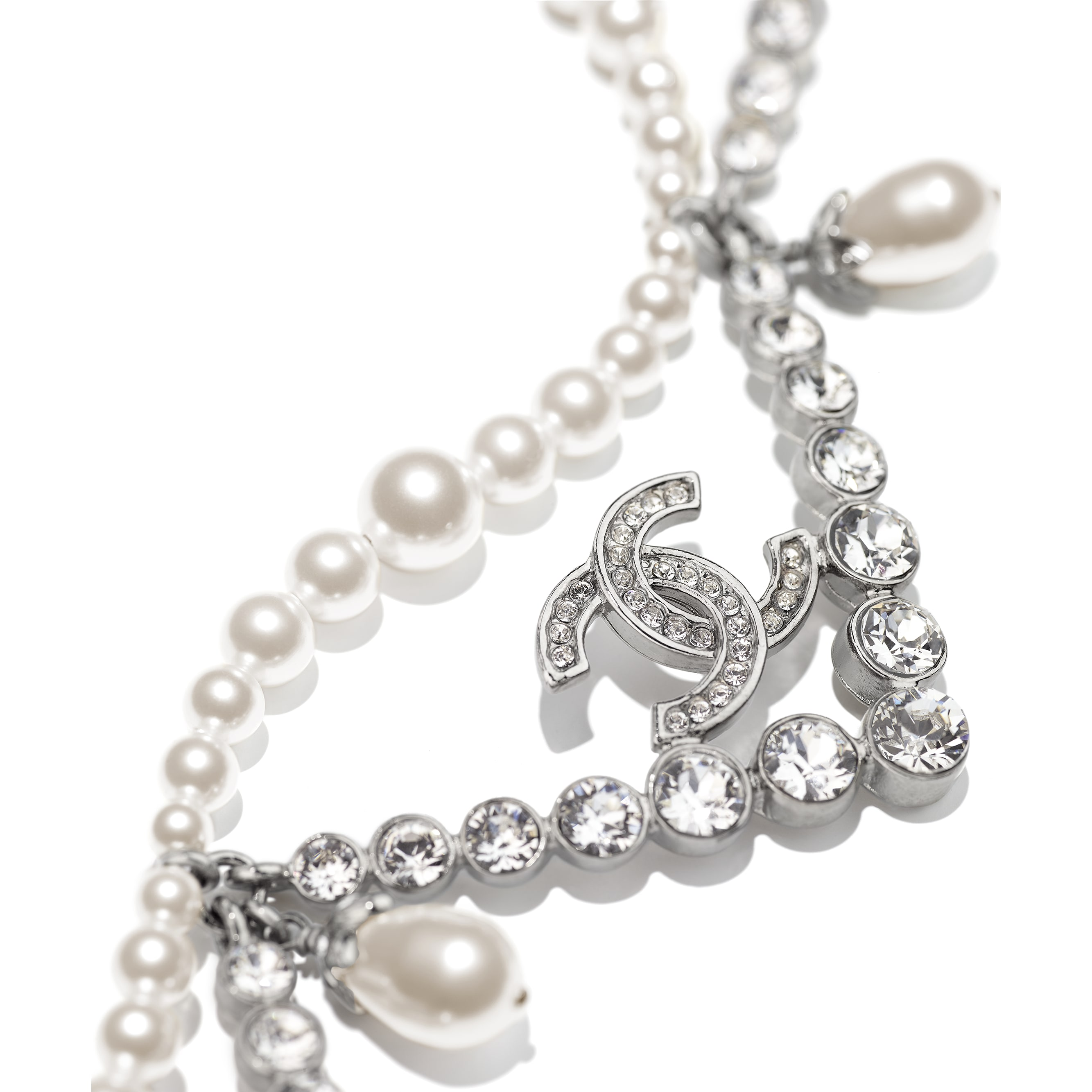 Necklace - Silver, Pearly White & Crystal - Metal, Glass Pearls & Diamantés - CHANEL - Alternative view - see standard sized version