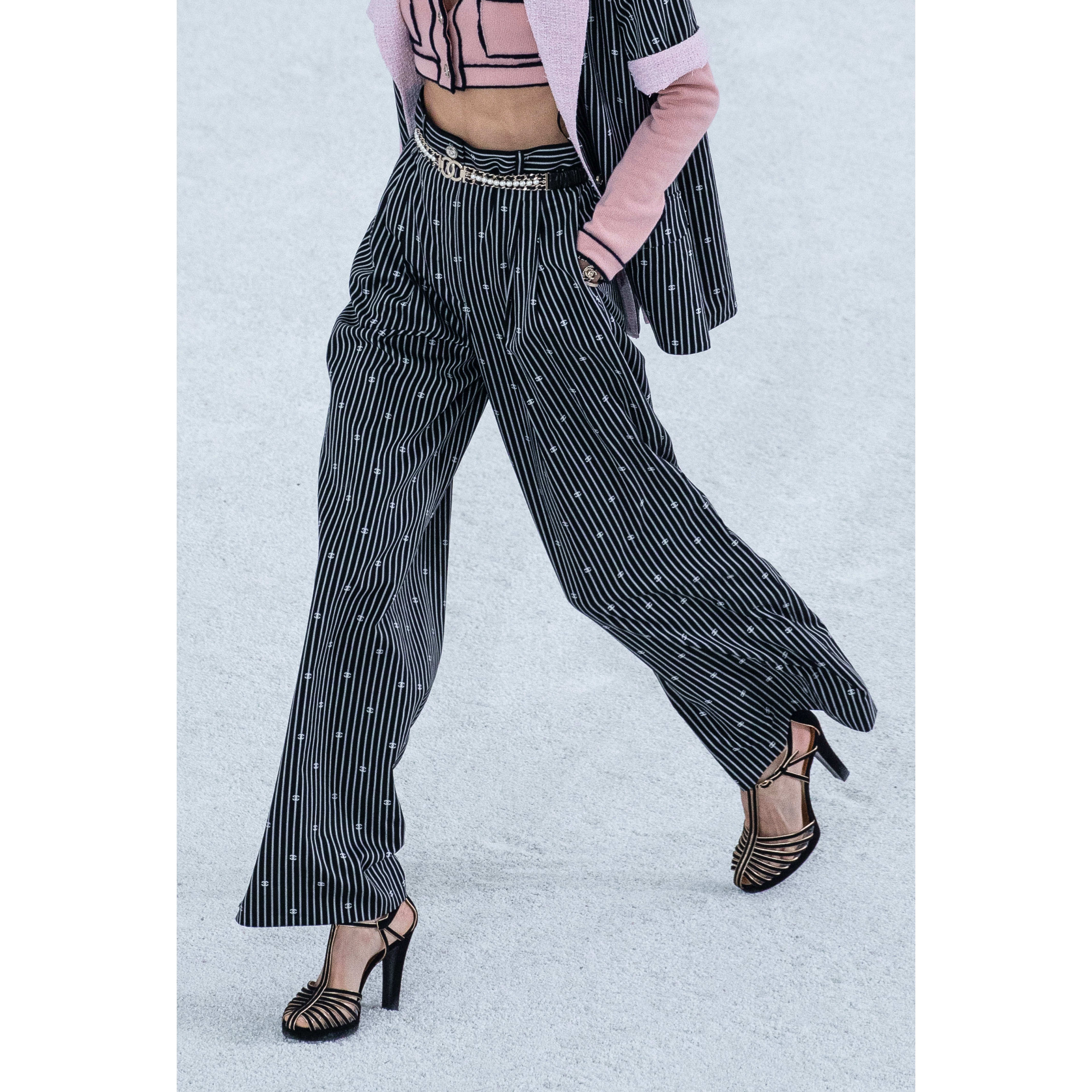 Trousers - Black & White - Cotton - CHANEL - Alternative view - see standard sized version