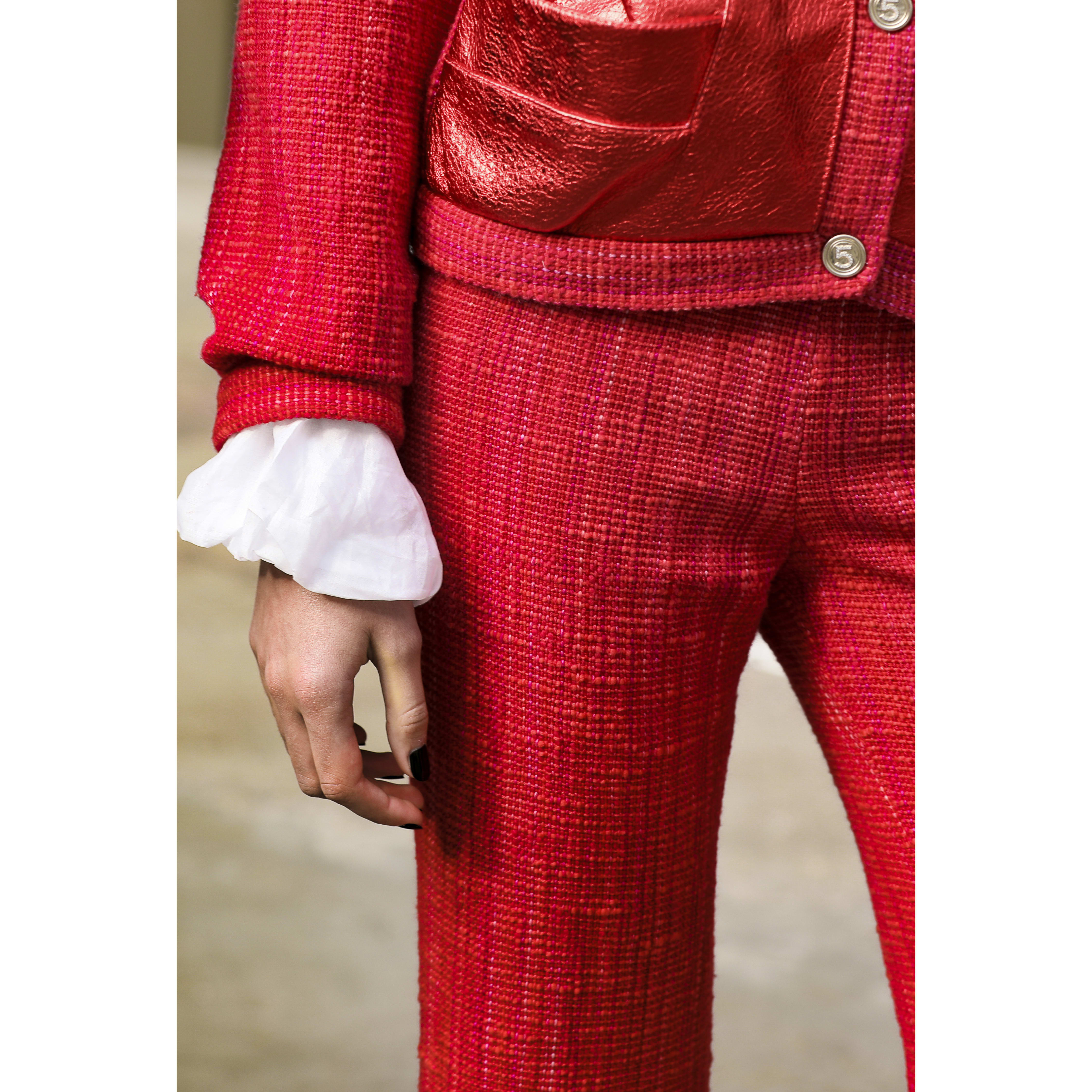 Trousers - Red & Light Pink - Cotton & Wool Tweed - CHANEL - Alternative view - see standard sized version