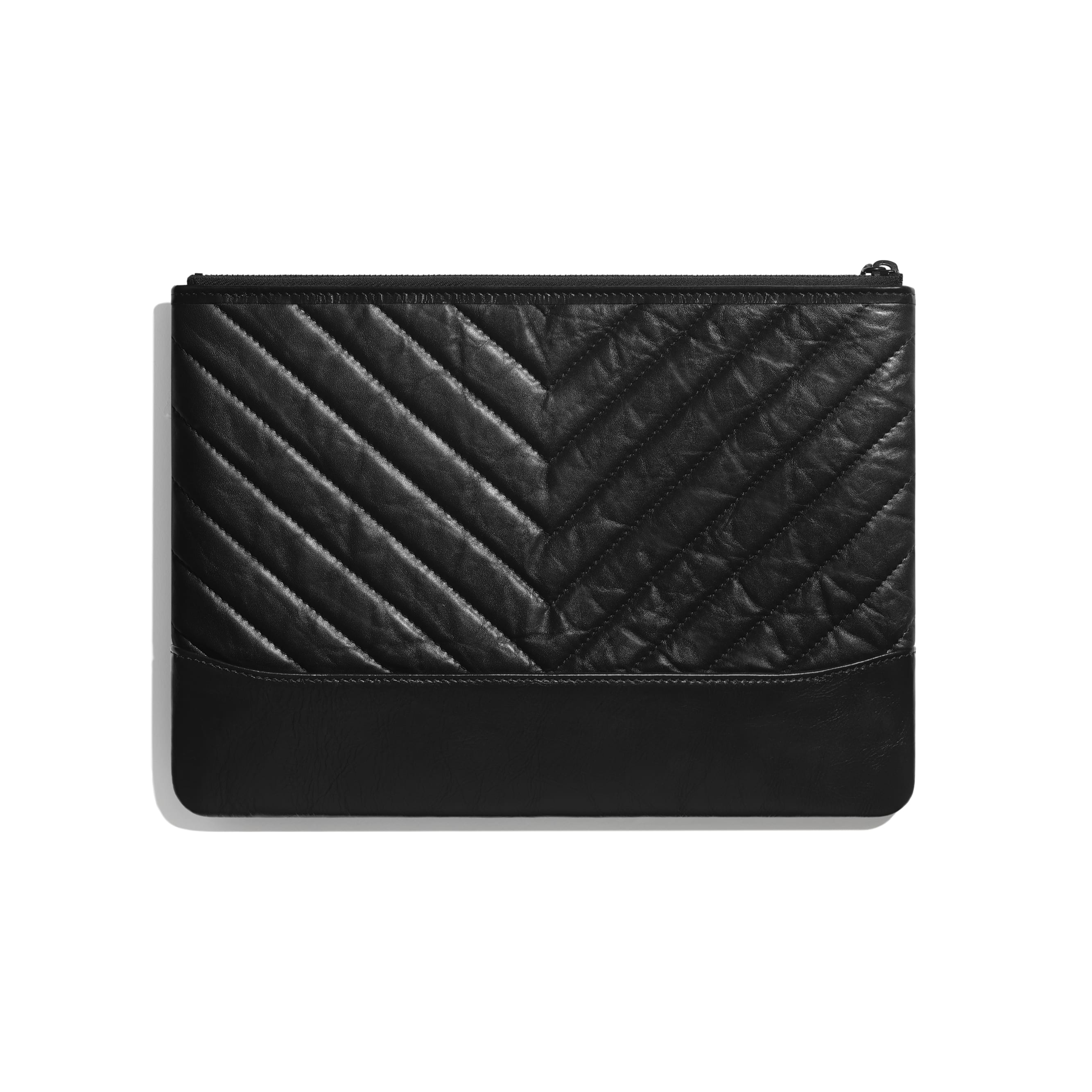 Case - Preto - Couro de novilho envelhecido, couro de novilho macio & metal preto - CHANEL - Vista alternativa - ver a versão em tamanho standard