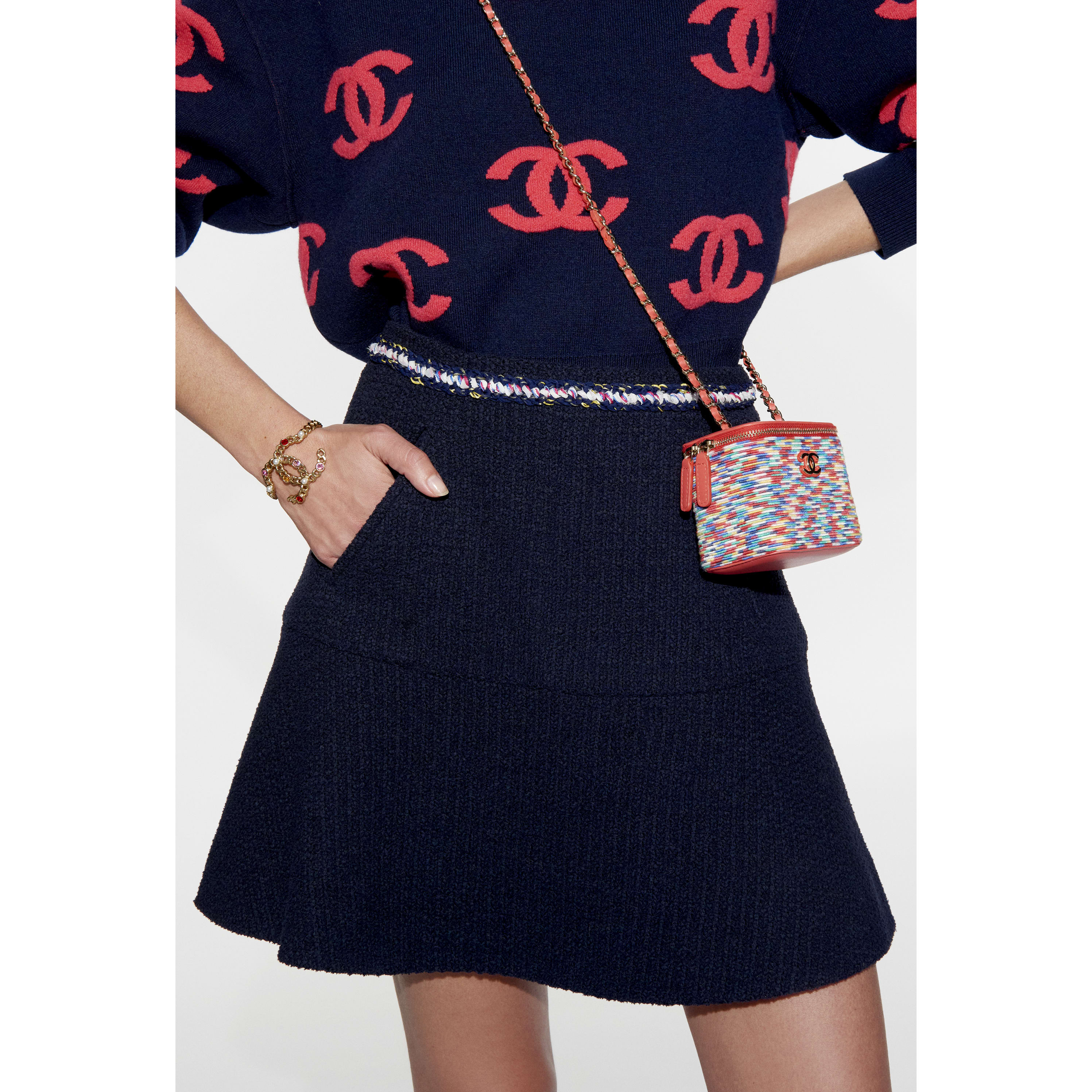 Sweater - Navy Blue & Pink - Cashmere - CHANEL - Alternative view - see standard sized version