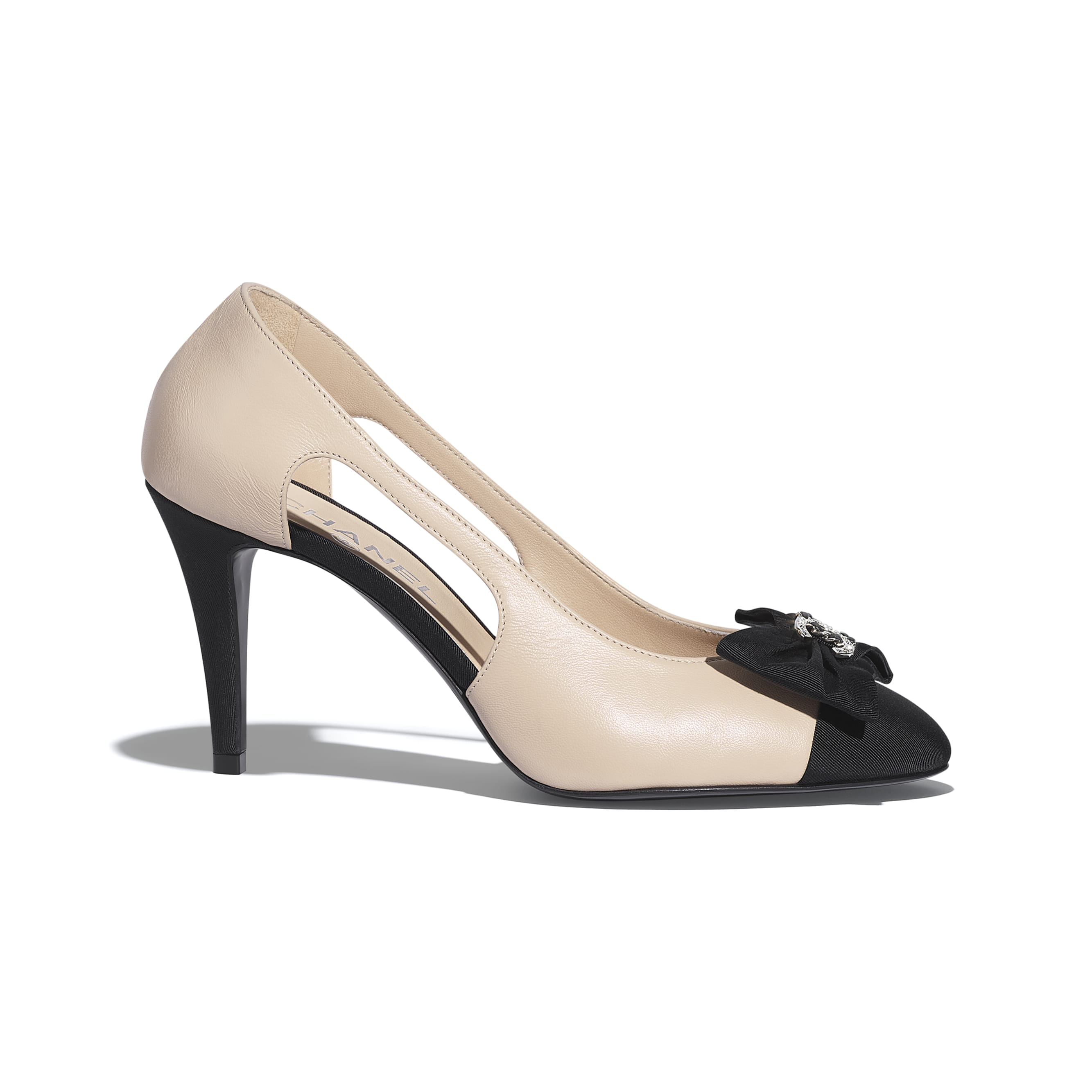 Pumps - Beige & Black - Lambskin & Grosgrain - CHANEL - Default view - see standard sized version
