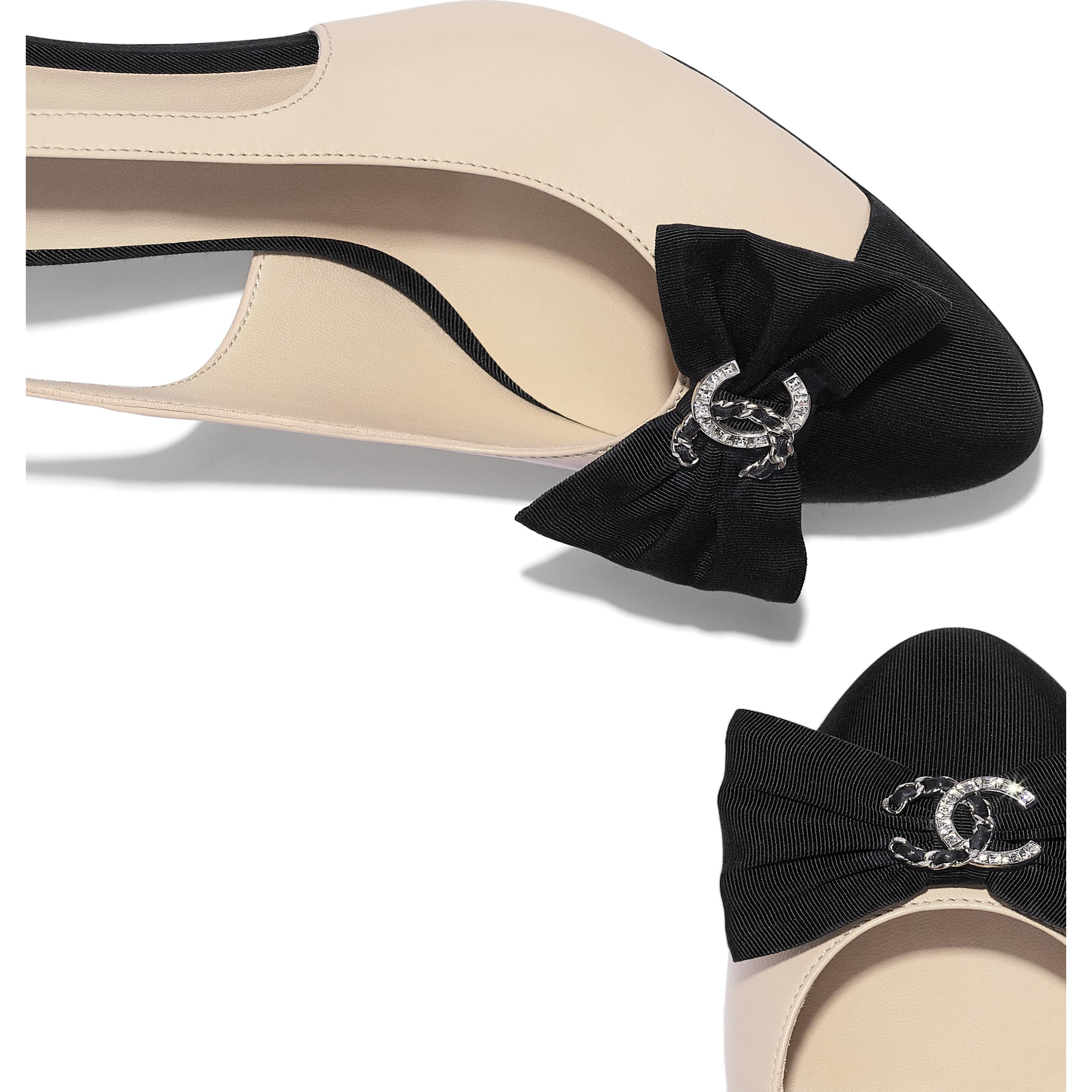 Pumps - Beige & Black - Lambskin & Grosgrain - CHANEL - Extra view - see standard sized version