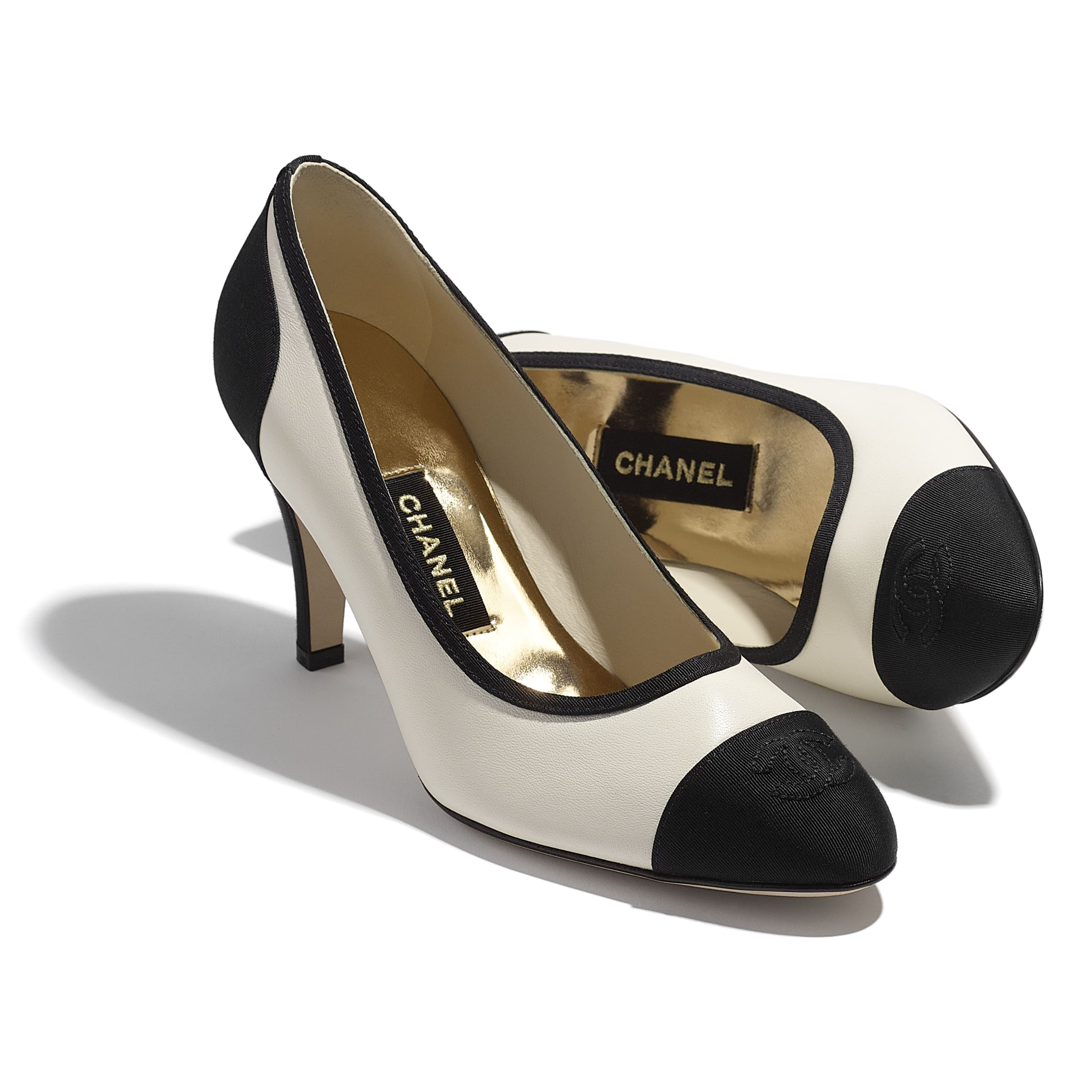 Pumps - Ivory & Black - Lambskin & Grosgrain - CHANEL - Extra view - see standard sized version