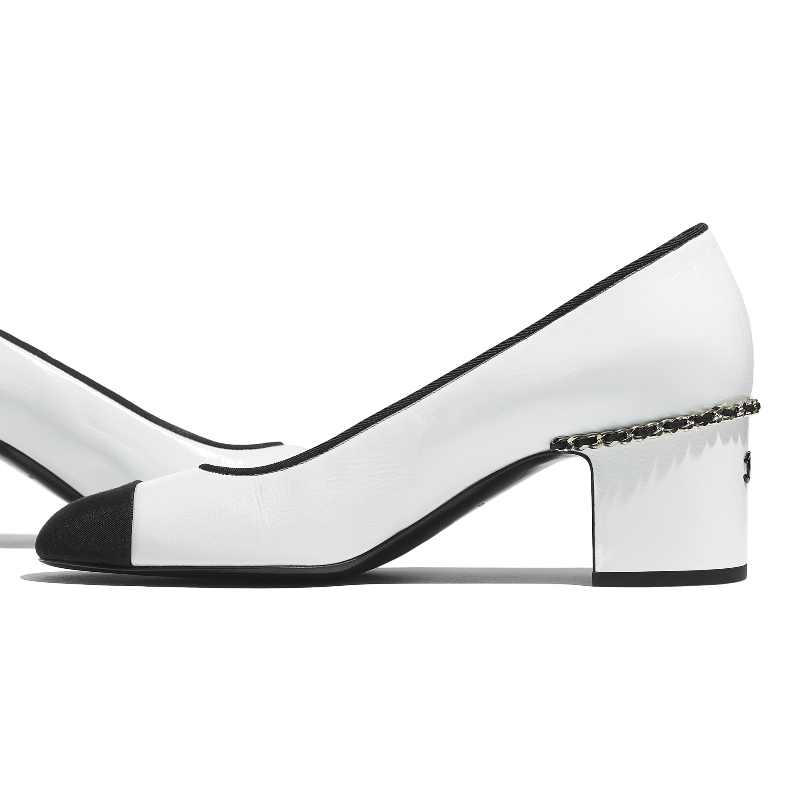 Pumps - White & Black - Laminated Lambskin & Grosgrain - CHANEL - Extra view - see standard sized version
