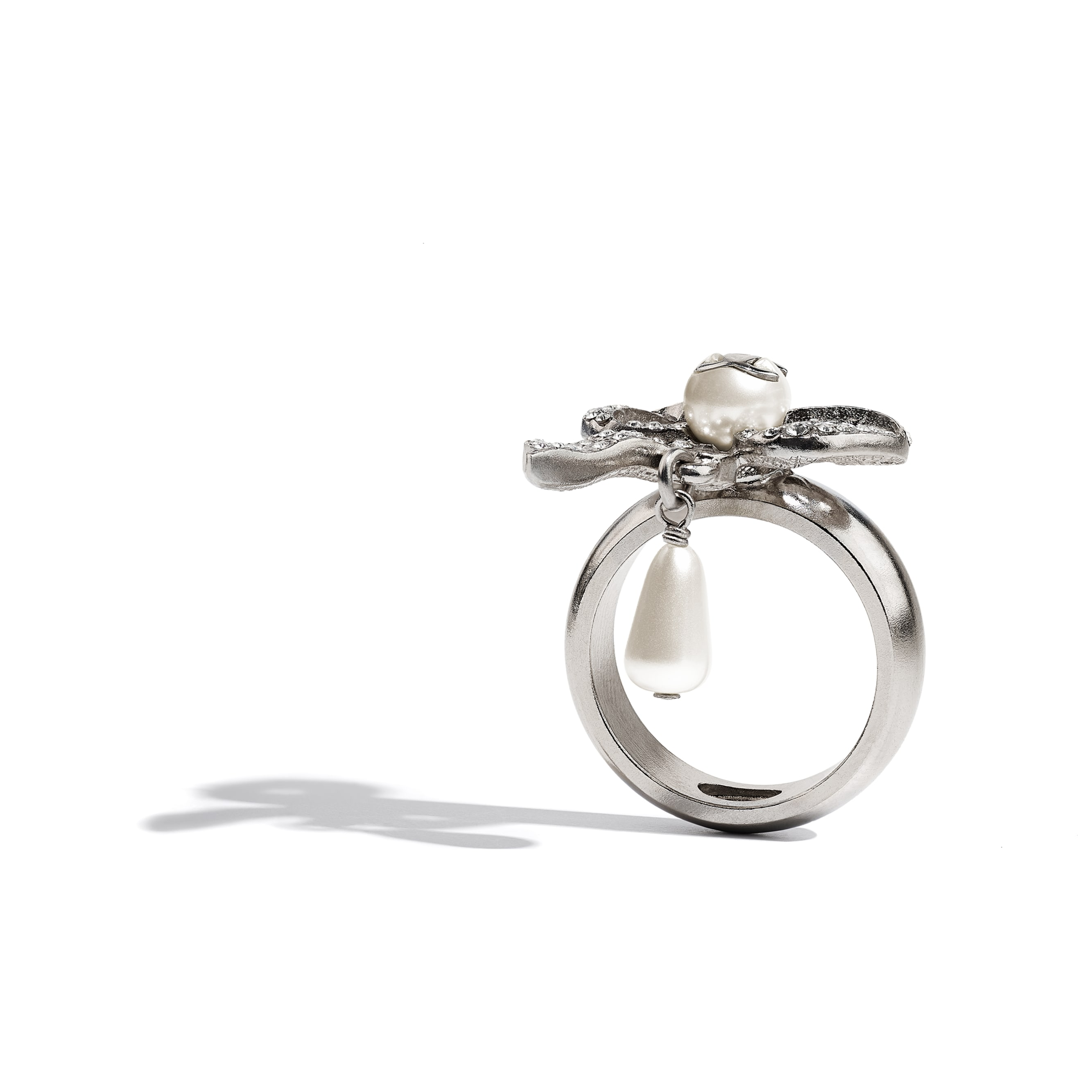 Ring - Silver, Pearly White & Crystal - Metal, Glass Pearls, Imitation Pearls & Diamanté - CHANEL - Alternative view - see standard sized version