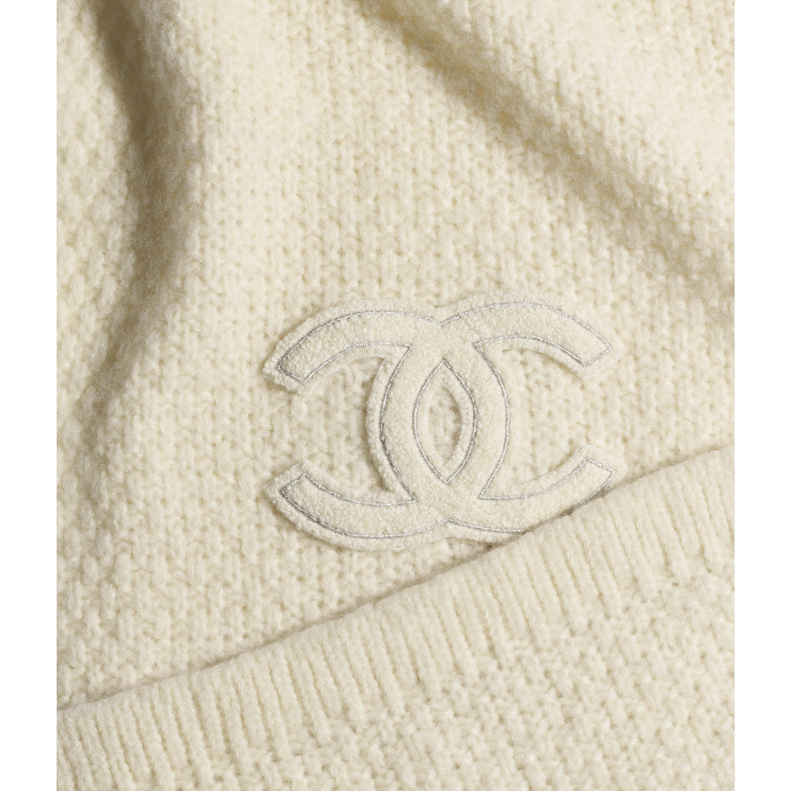 Scarf - Ivory - Cashmere & Silk - CHANEL - Default view - see standard sized version