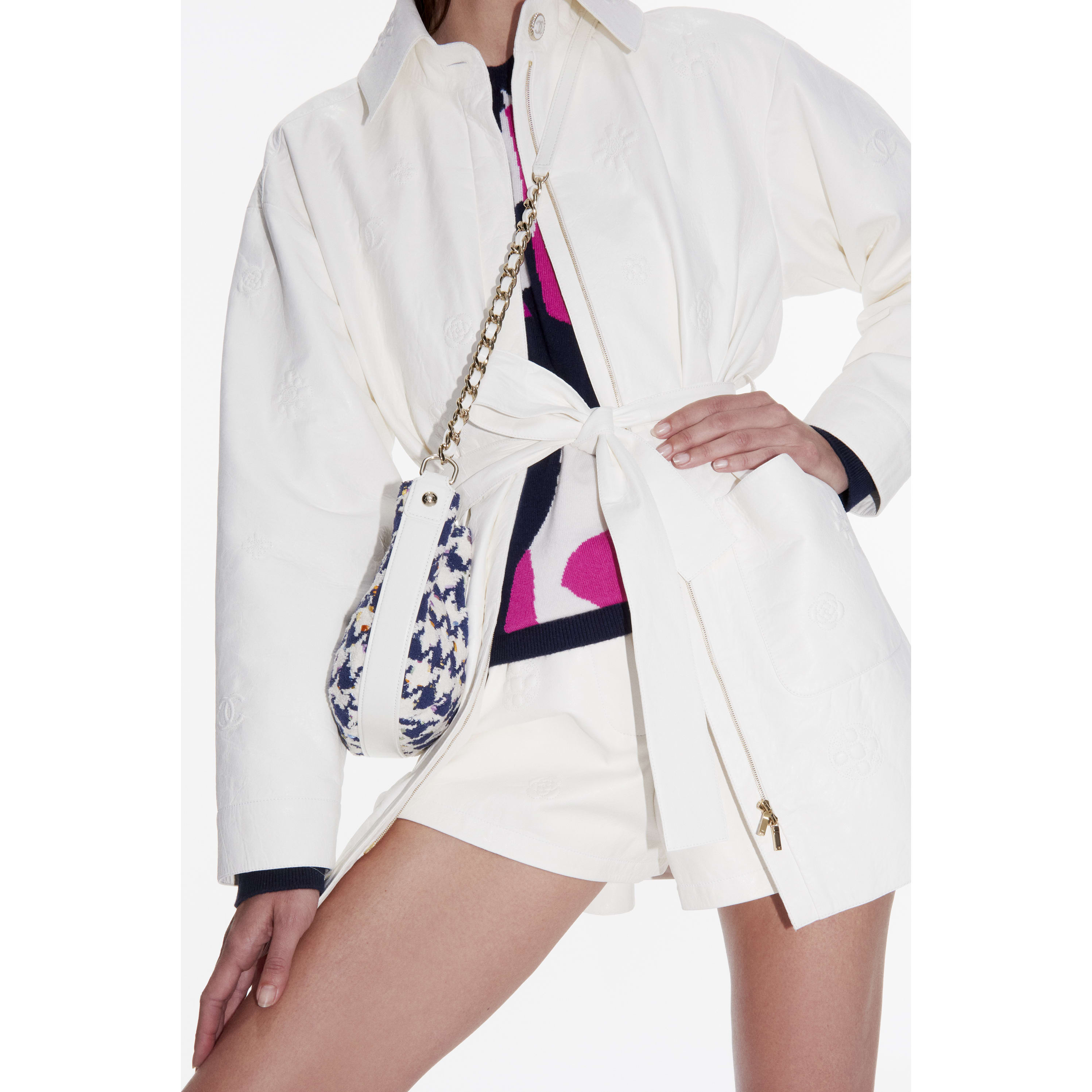 Shorts - White - Lambskin - CHANEL - Alternative view - see standard sized version