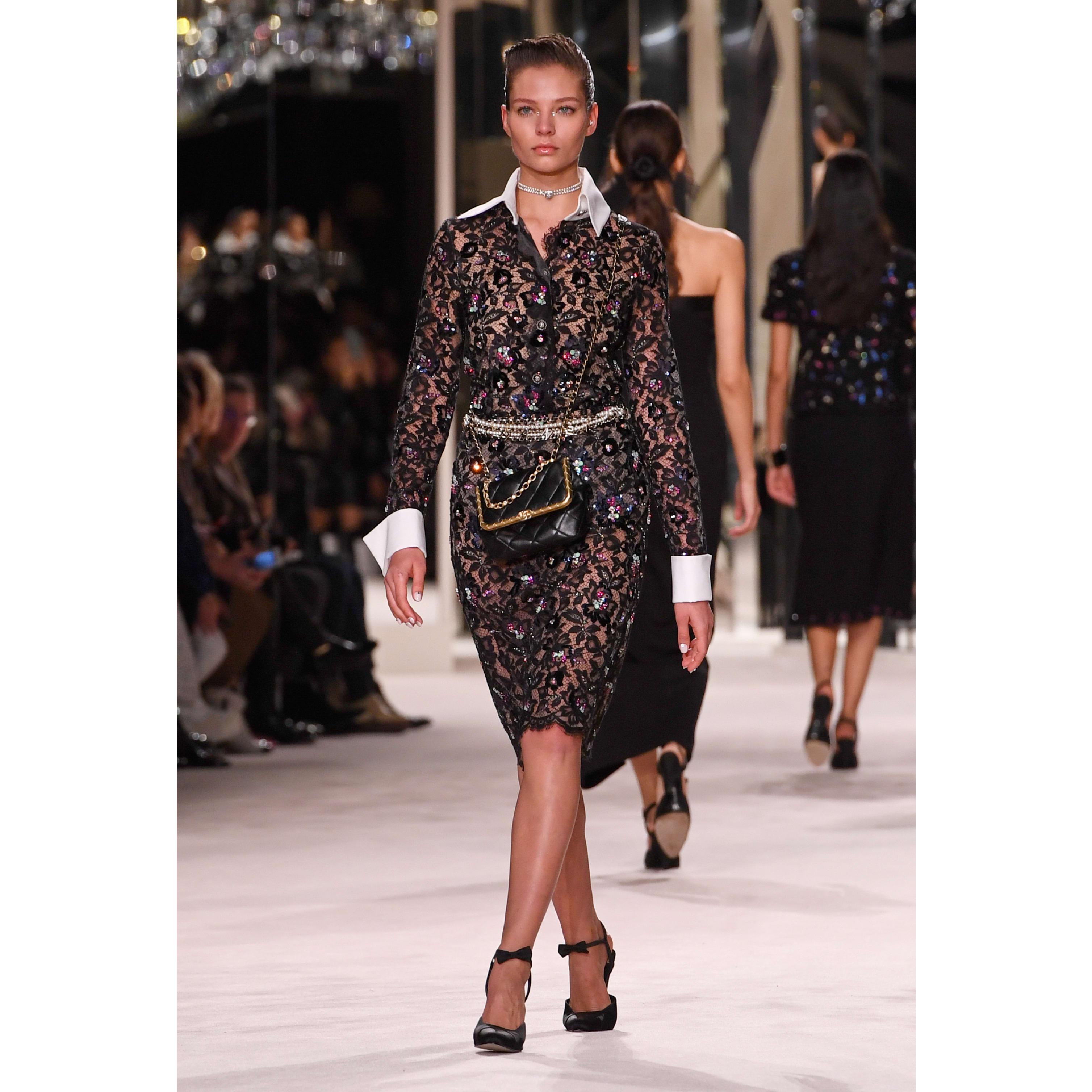 Saia - Black - Embroidered Lace - CHANEL - Vista predefinida - ver a versão em tamanho standard