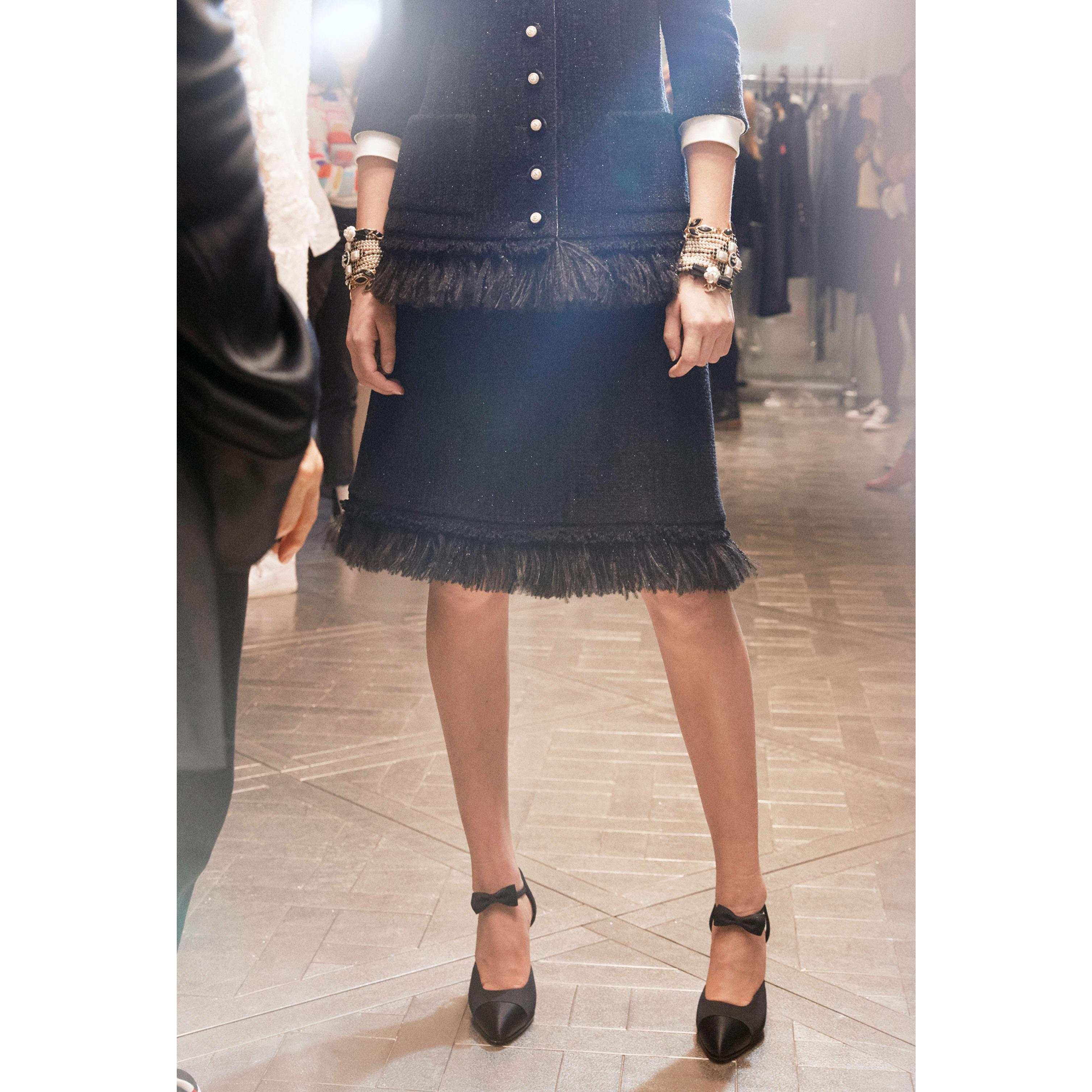 Skirt - Black - Wool Tweed - CHANEL - Alternative view - see standard sized version