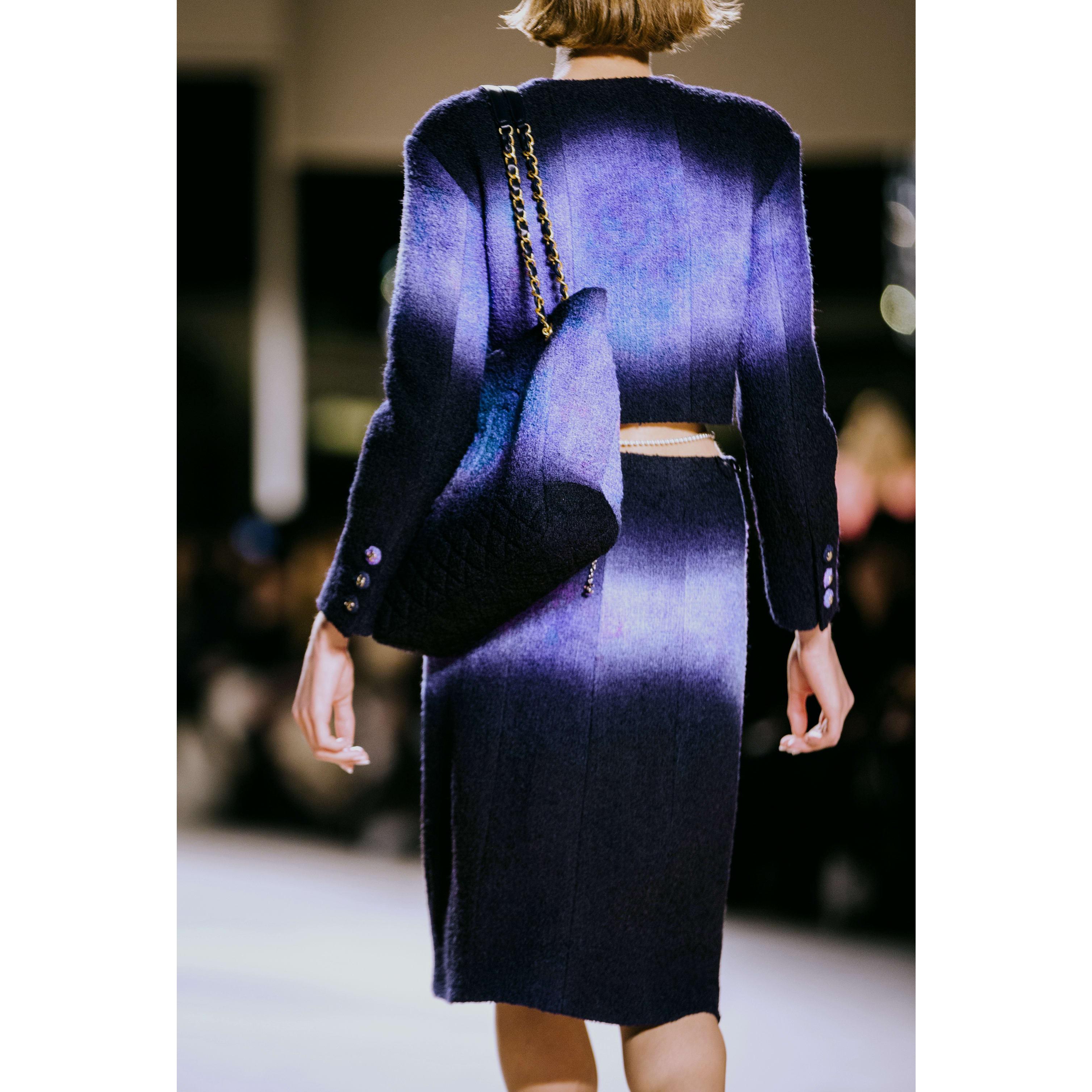 Юбка - Фиолетовый, черный и синий - Шерстяной твид - CHANEL - Альтернативный вид - посмотреть изображение стандартного размера