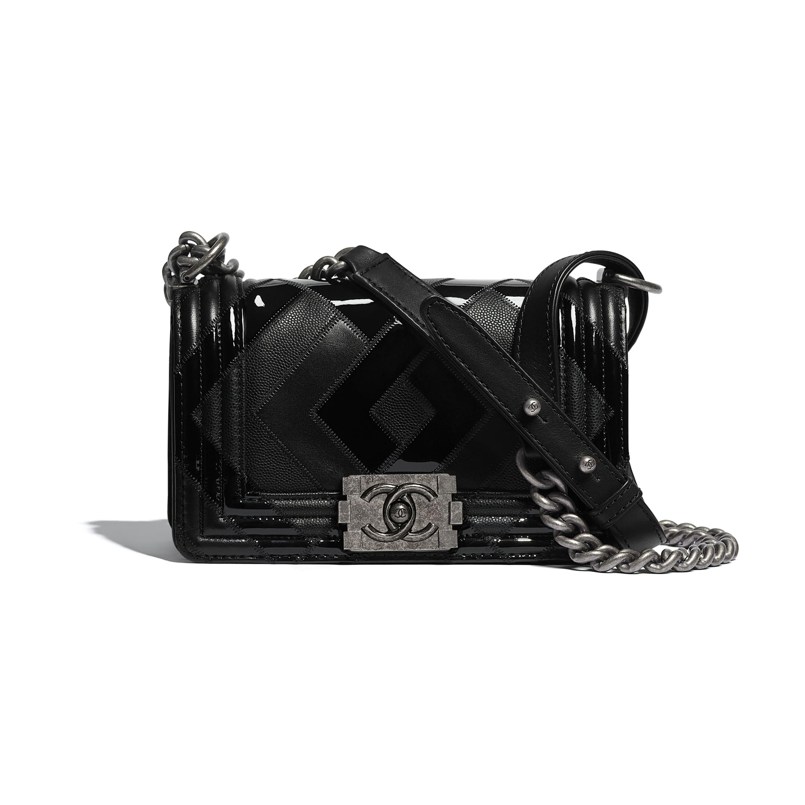 Mała torebka BOY CHANEL - Kolor czarny - Skóra cielęca, patentowa skóra cielęca, skóra cielęca o ziarnistej fakturze i metal z rutenowym wykończeniem      - Widok domyślny – zobacz w standardowym rozmiarze