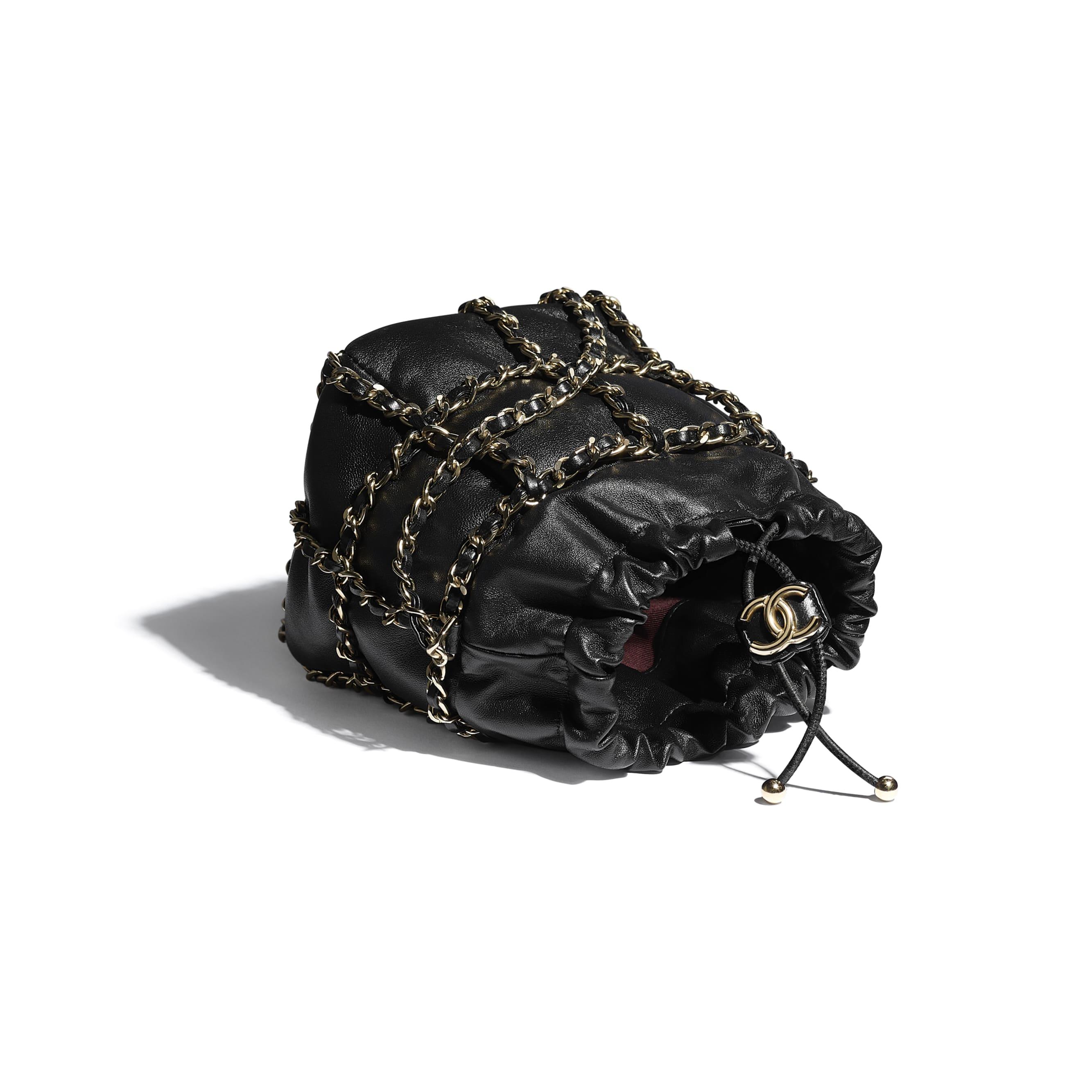 Petit sac à fermeture cordon - Noir - Agneau & métal doré - CHANEL - Autre vue - voir la version taille standard