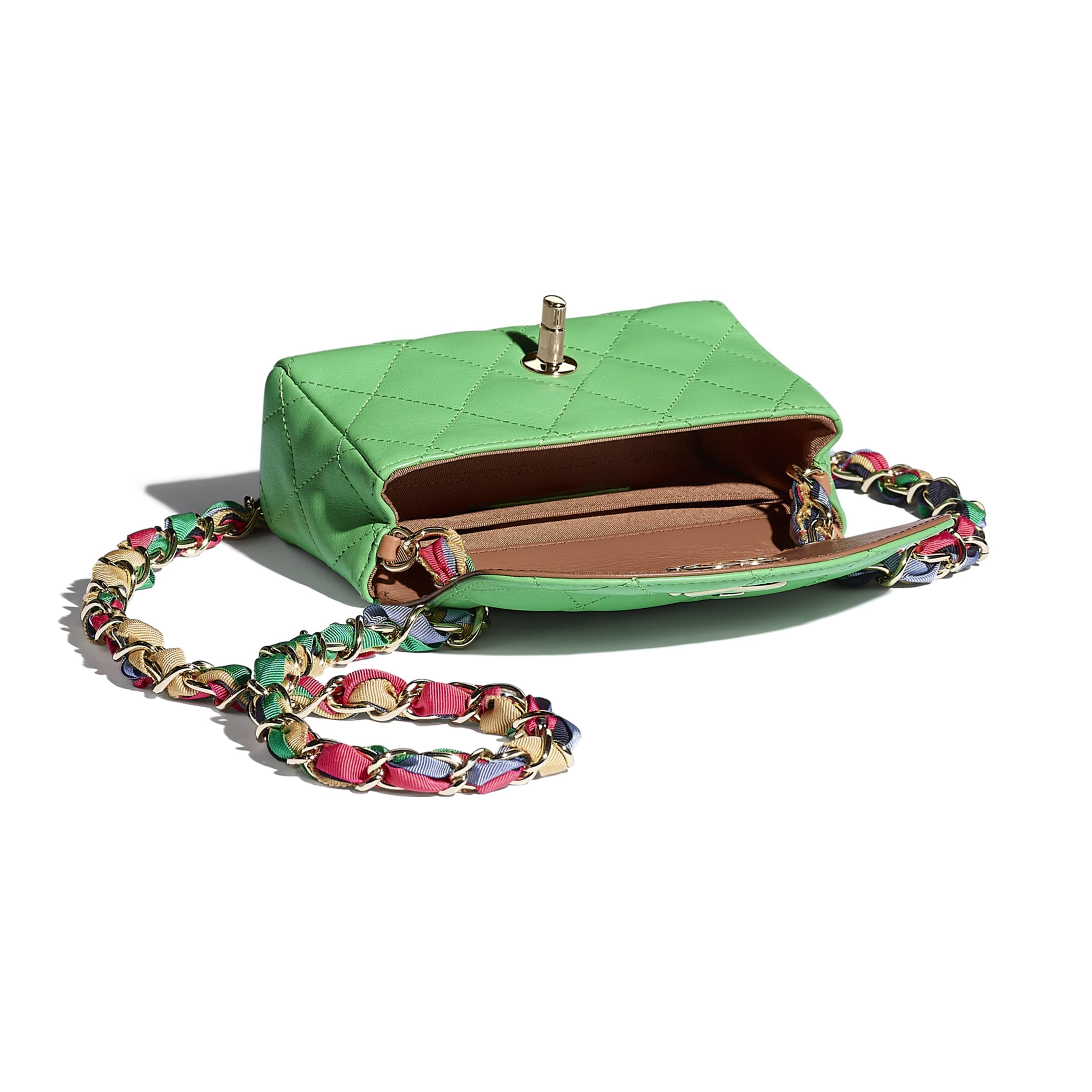 細號垂蓋手袋 - 綠色 - 小羊皮、混合纖維及金色金屬 - CHANEL - 其他視圖 - 查看標準尺寸版本