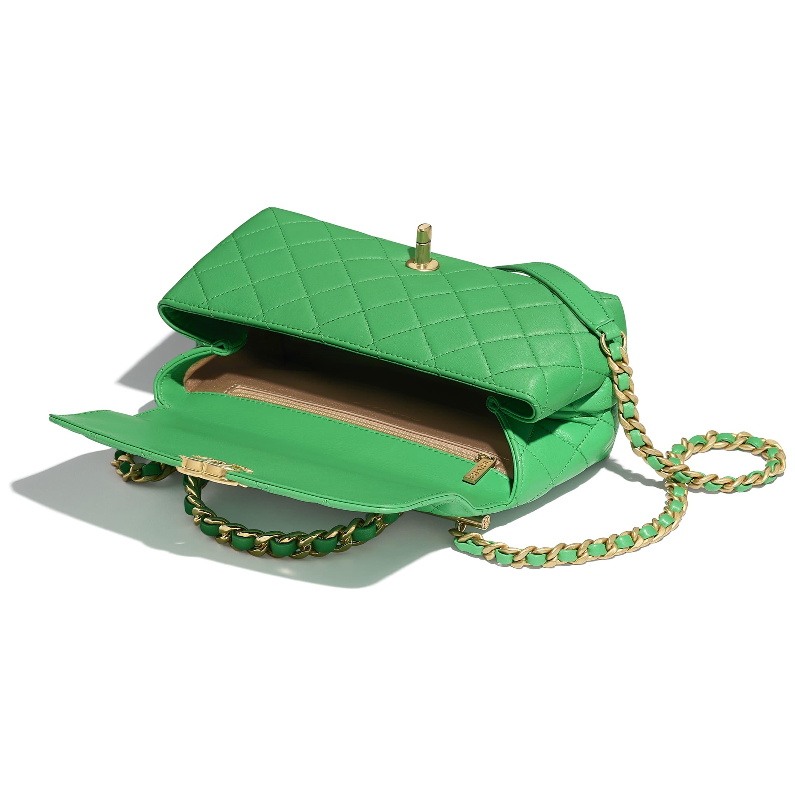 Petit sac à rabat avec poignée - Vert - Agneau & métal doré - CHANEL - Autre vue - voir la version taille standard