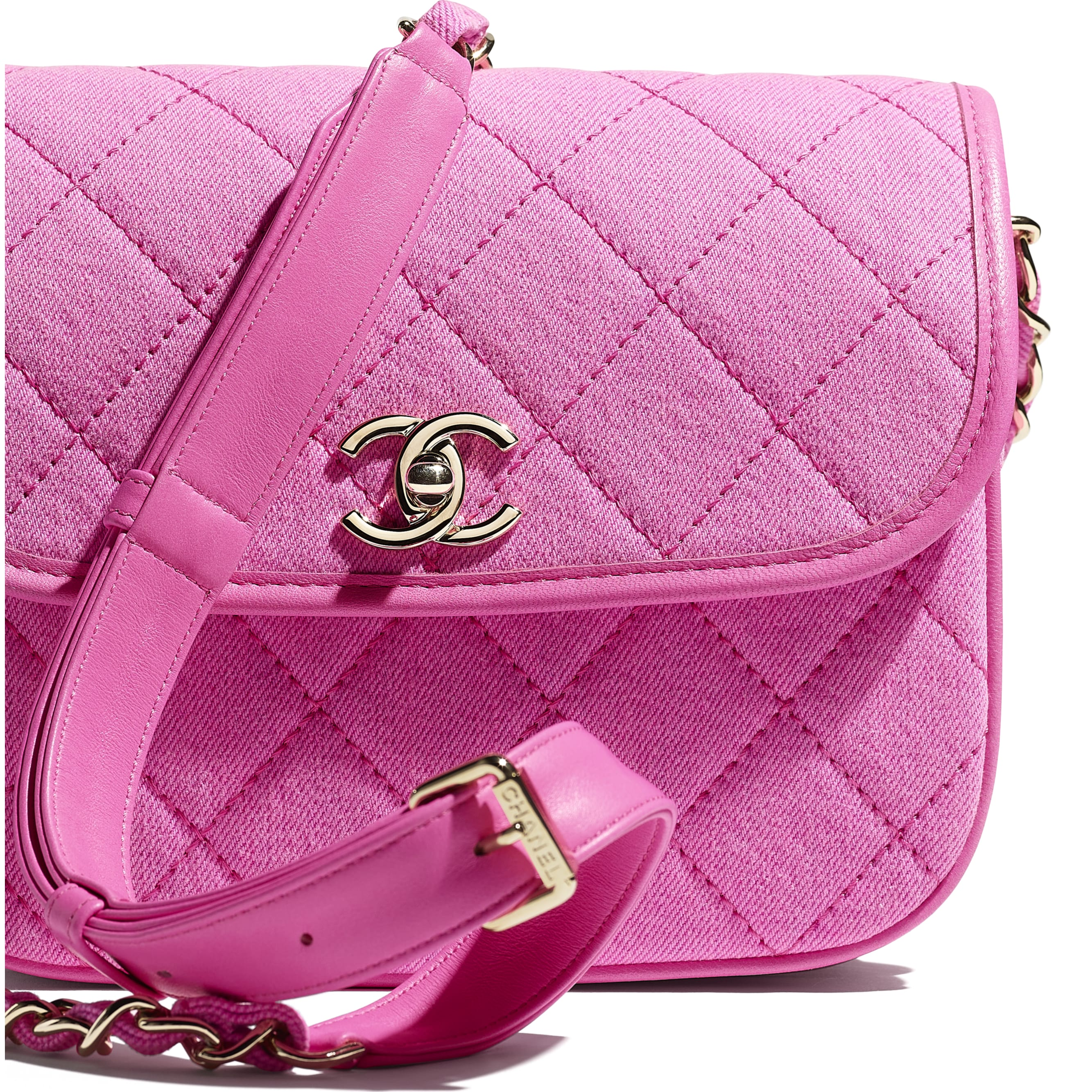 Small Messenger Bag - Neon Pink - Denim & Gold Metal - CHANEL - Extra view - see standard sized version