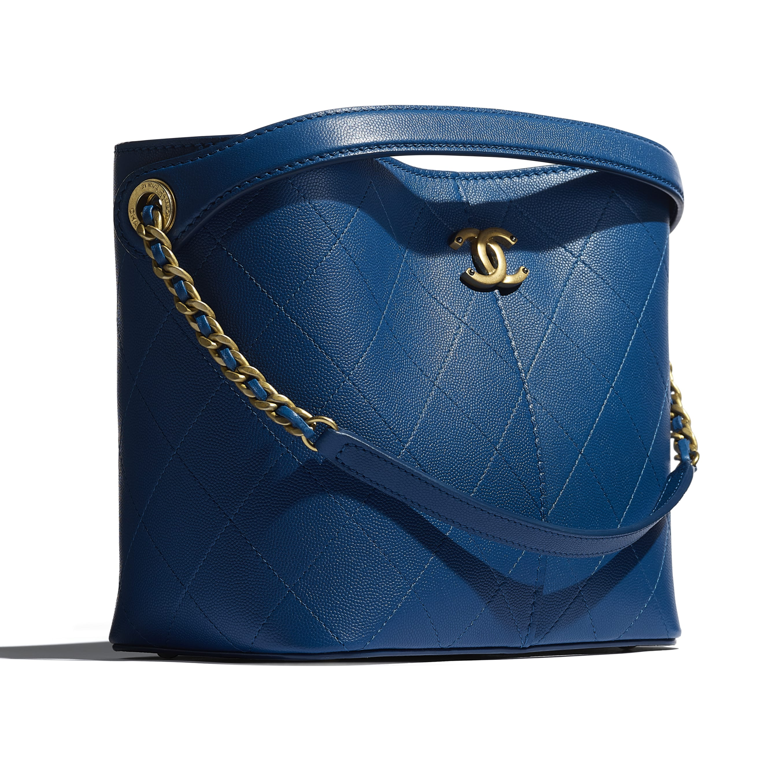 Small Tote - Blue - Grained Lambskin, Smooth Lambskin & Gold-Tone Metal - CHANEL - Extra view - see standard sized version