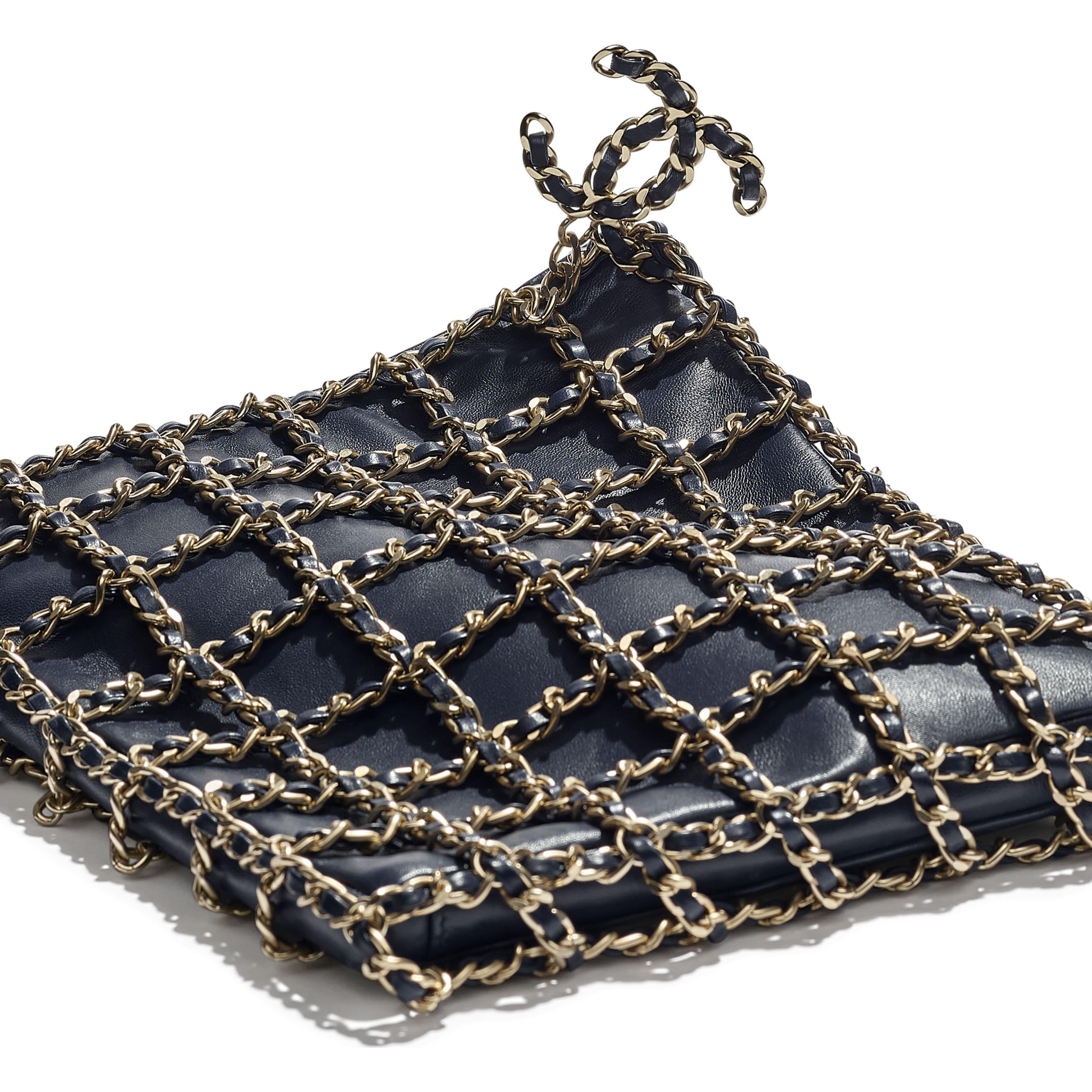 小型購物包 - 海軍藍 - 小羊皮與金色金屬 - CHANEL - 額外視圖 - 查看標準尺寸版本