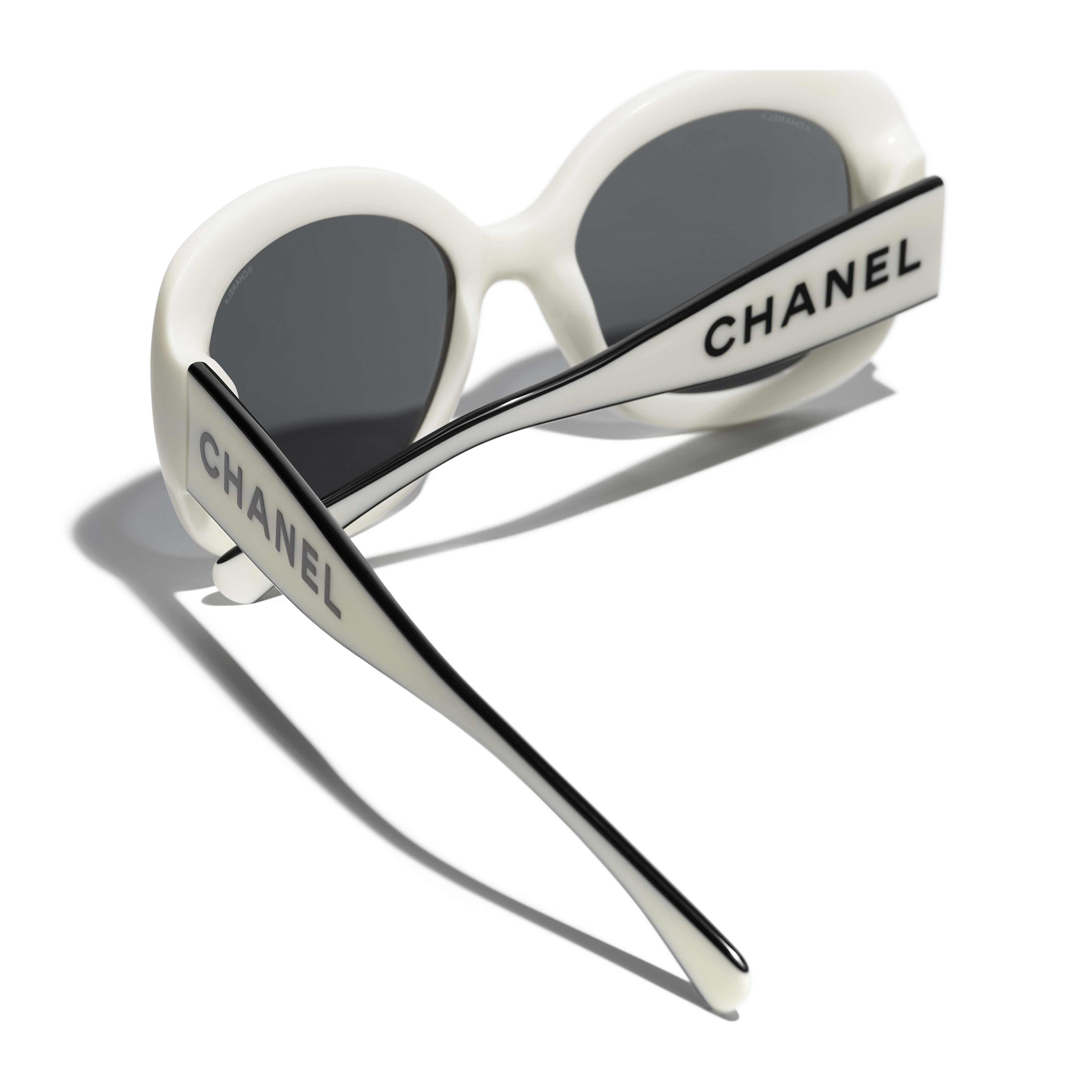 Gafas de sol cuadradas - Blanco - Acetato - CHANEL - Vista adicional - ver la versión tamaño estándar
