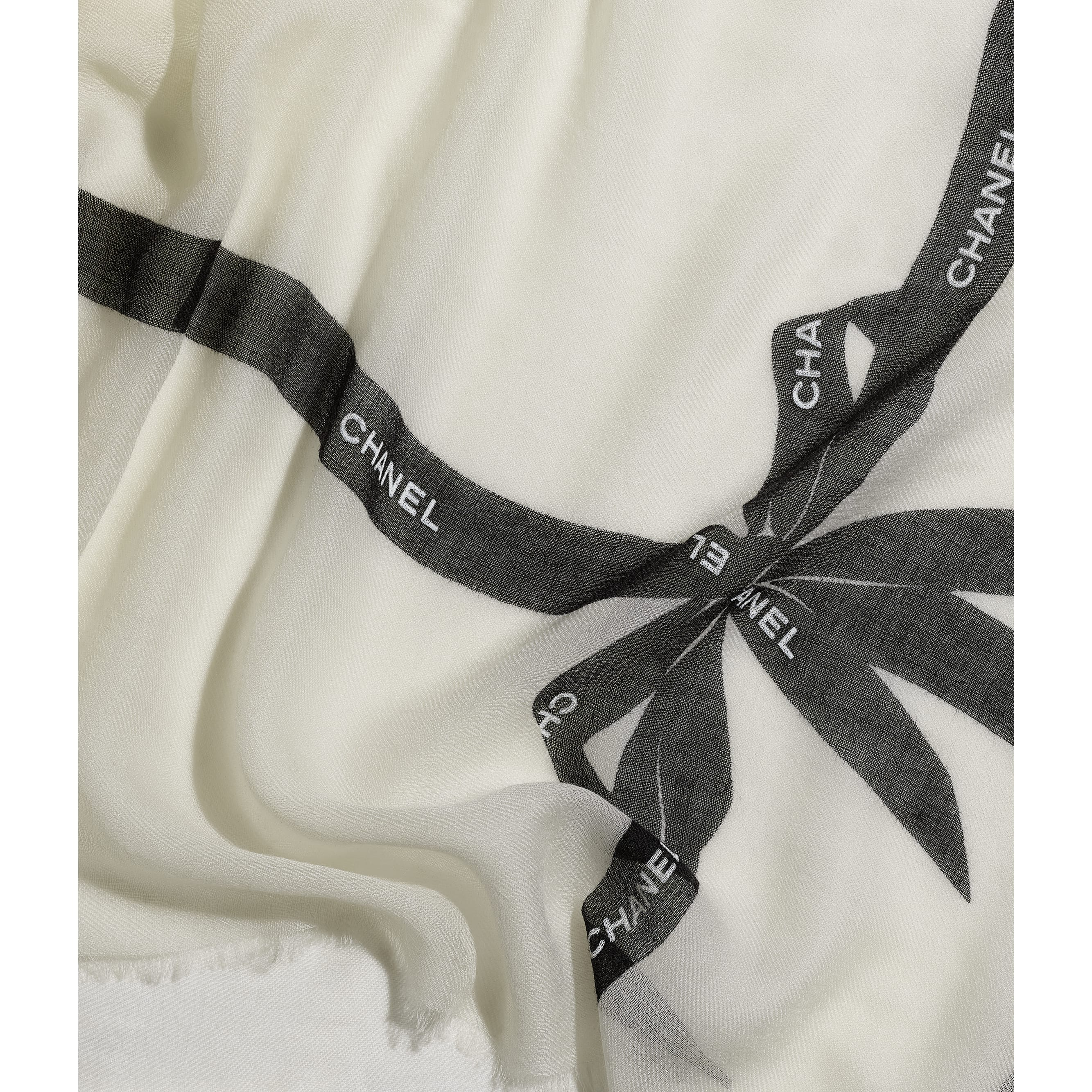Stole - Ivory - Cashmere - CHANEL - Default view - see standard sized version