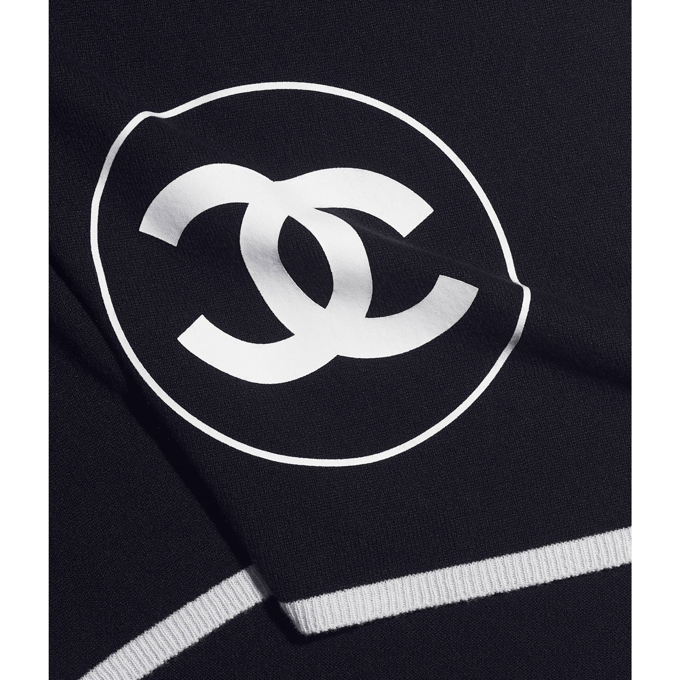 Stole - Navy Blue & White - Cashmere - CHANEL - Default view - see standard sized version