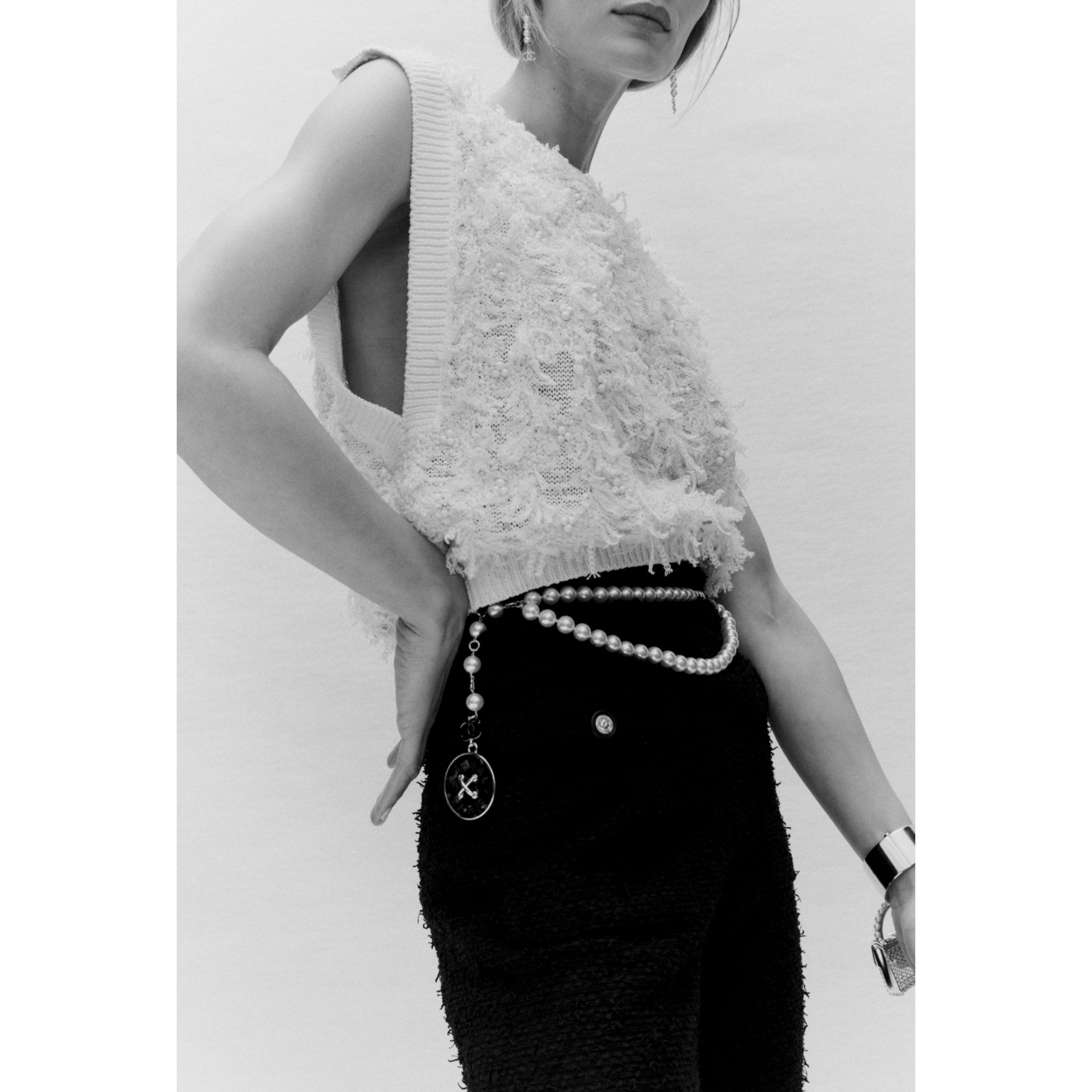 Top - Ecru - Embroidered Cotton & Hemp - CHANEL - Alternative view - see standard sized version