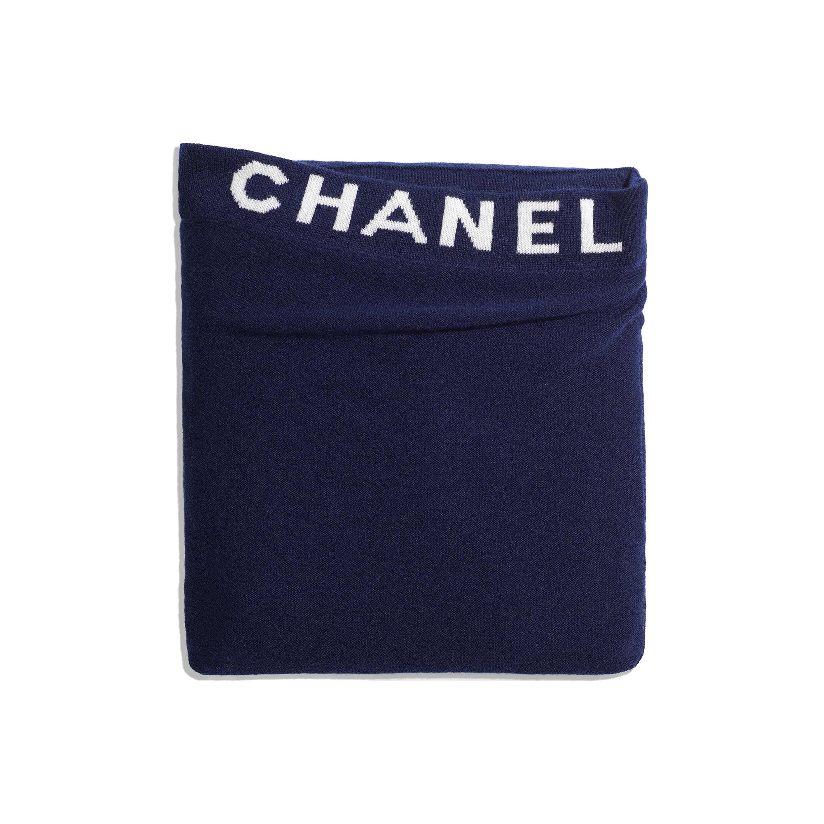 Travelling Blanket - Navy Blue - Cashmere - Alternative view - see standard sized version