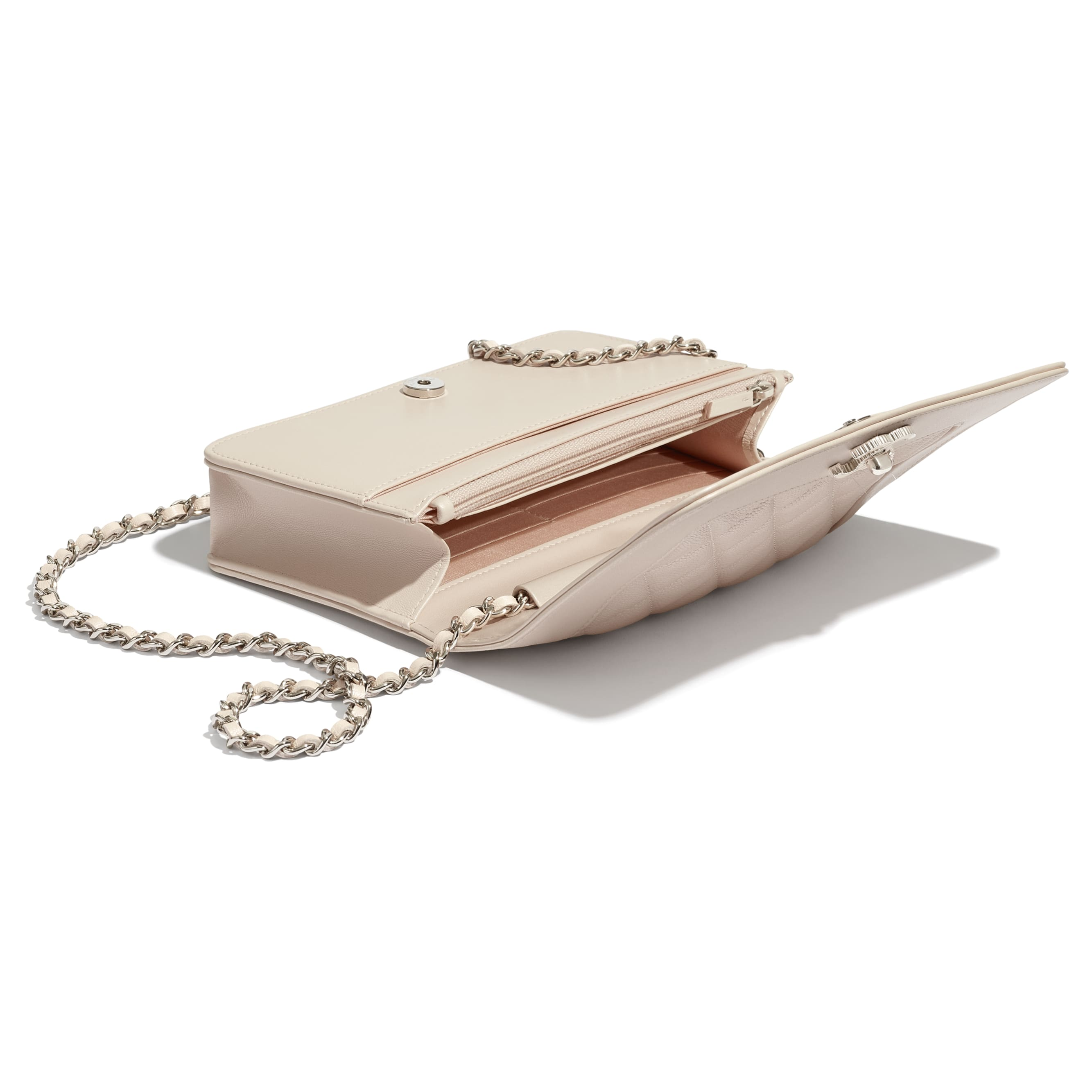 Wallet On Chain - Beige - Grained Calfskin, Calfskin & Silver-Tone Metal - CHANEL - Extra view - see standard sized version