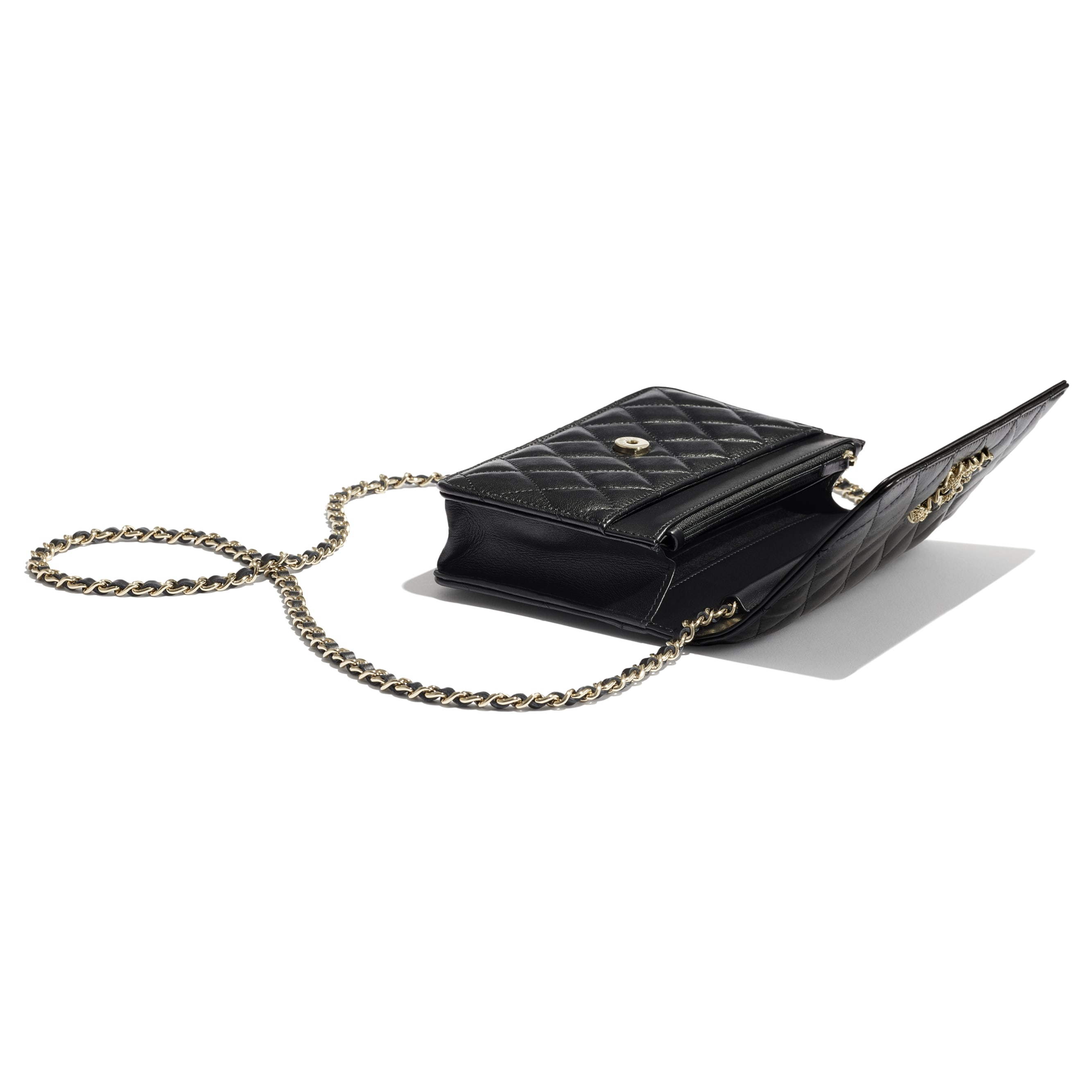 Wallet On Chain - Black - Lambskin & Gold Metal  - CHANEL - Extra view - see standard sized version